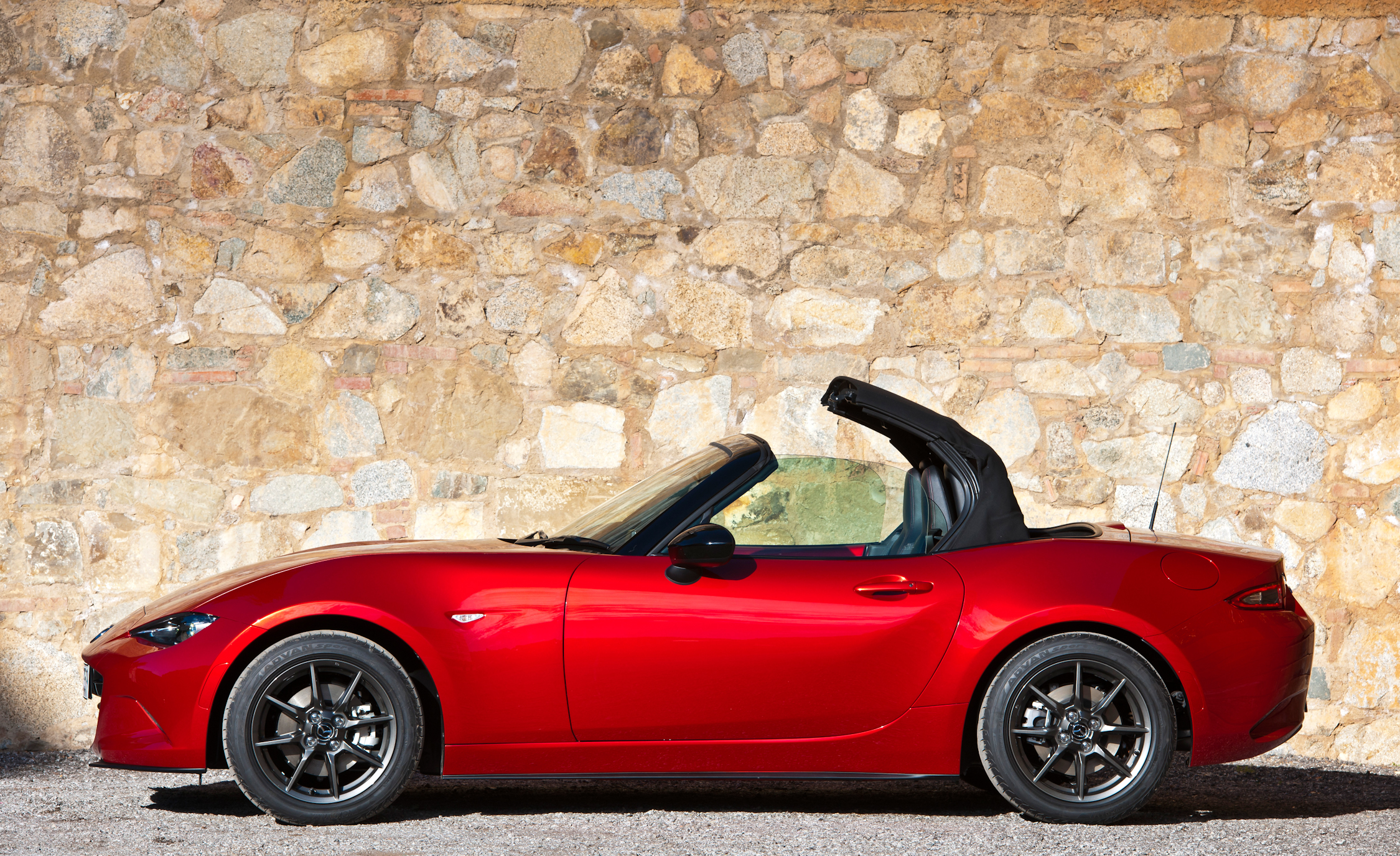 2016 Mazda MX 5 Miata (Photo 7 of 31)