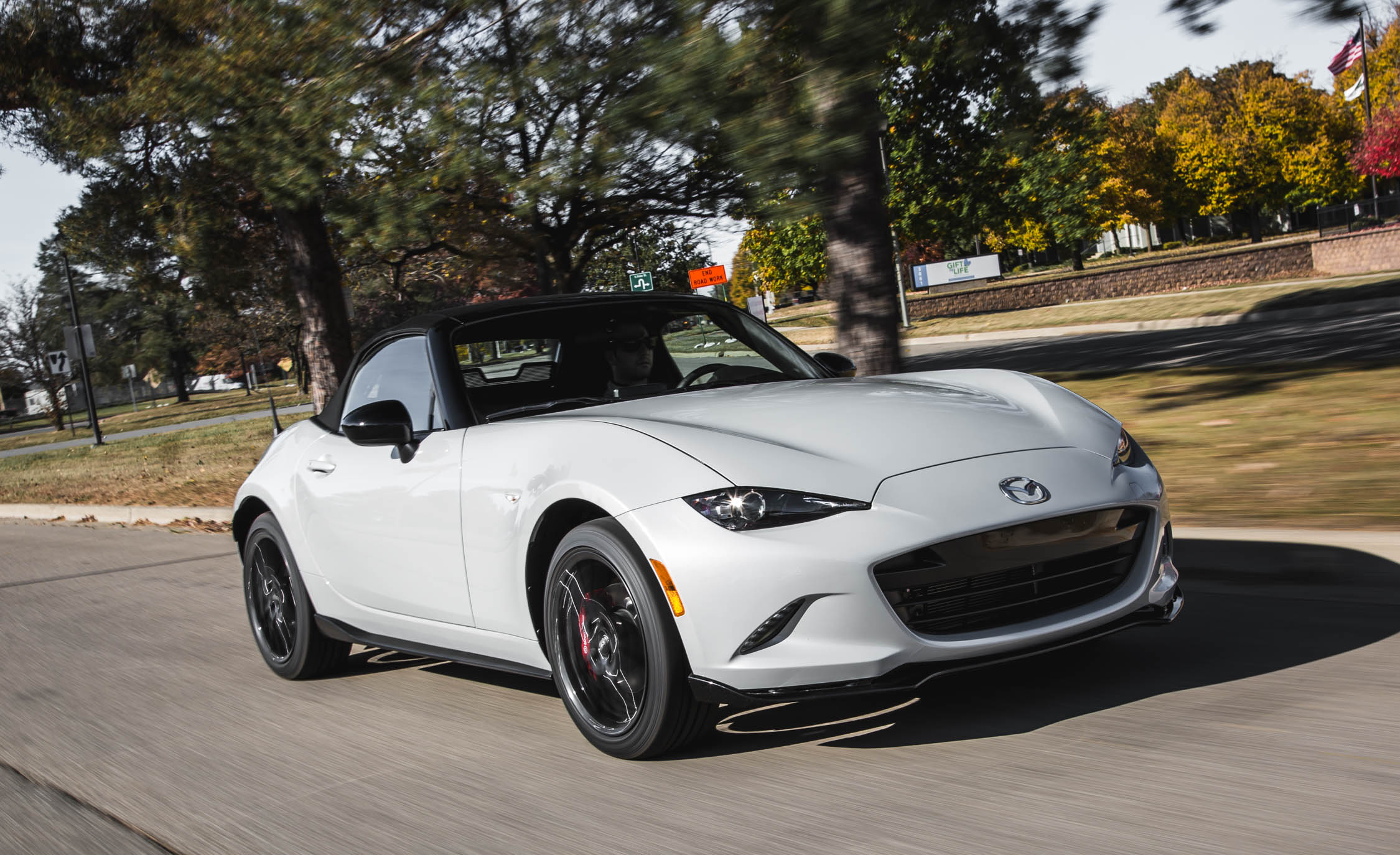 2016 Mazda MX 5 Miata (Photo 8 of 31)