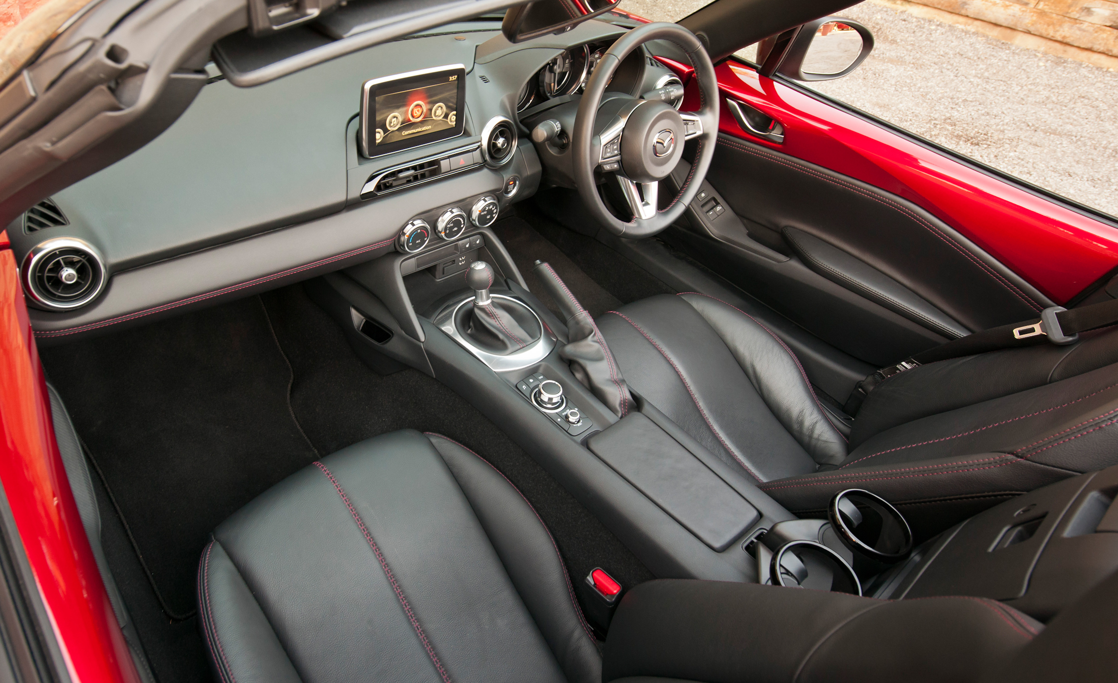 2016 Mazda MX 5 Miata (Photo 9 of 31)