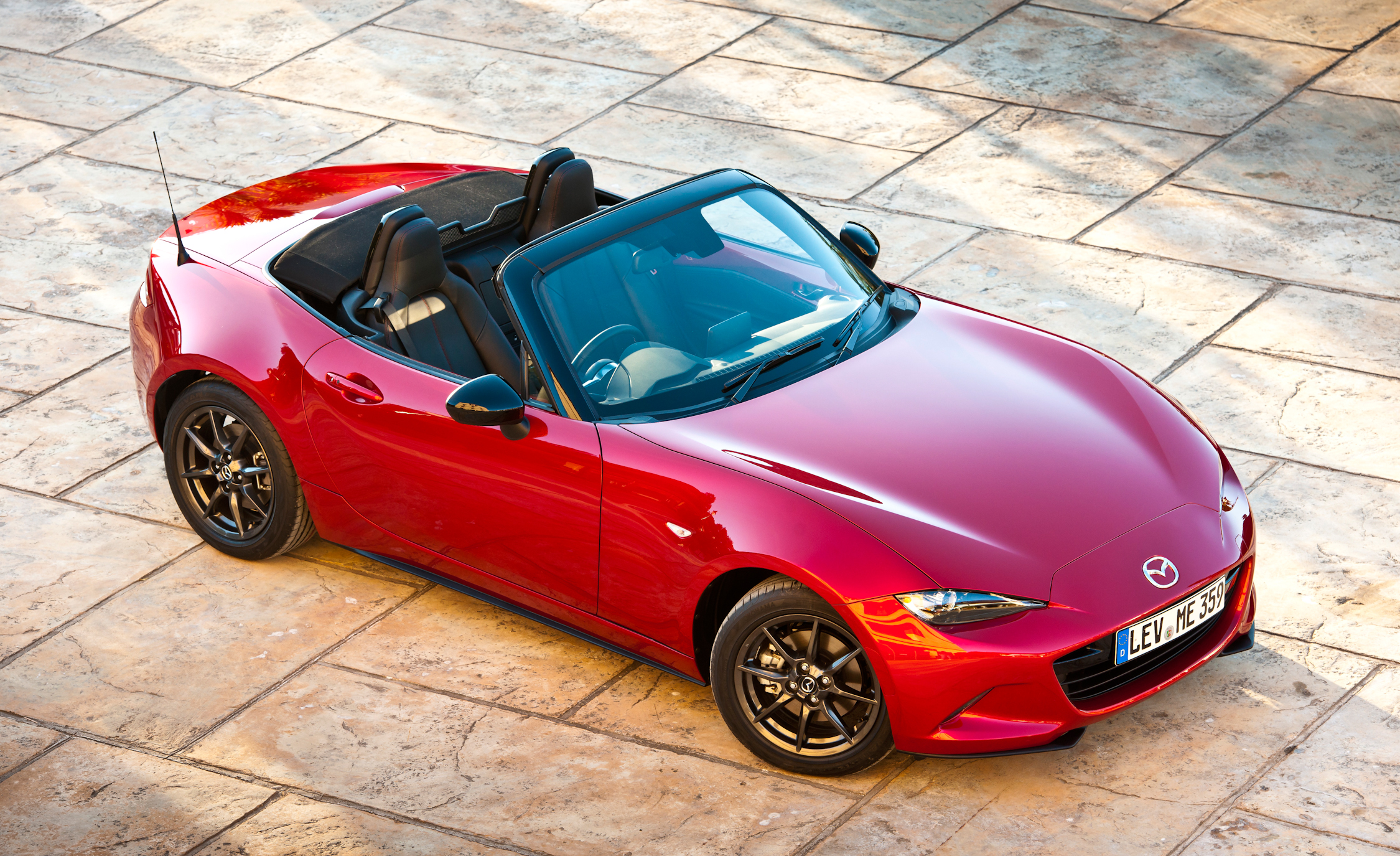 2016 Mazda MX-5 Miata Pictures Gallery (31 Images)