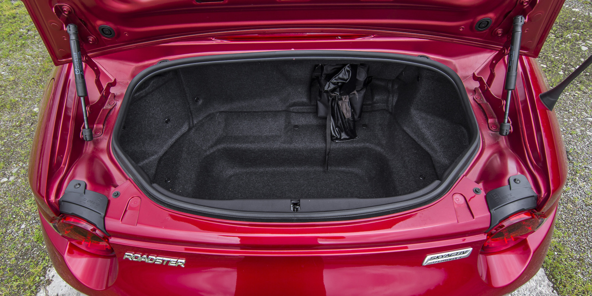 2016 Mazda Mx 5 Trunk (Photo 31 of 31)