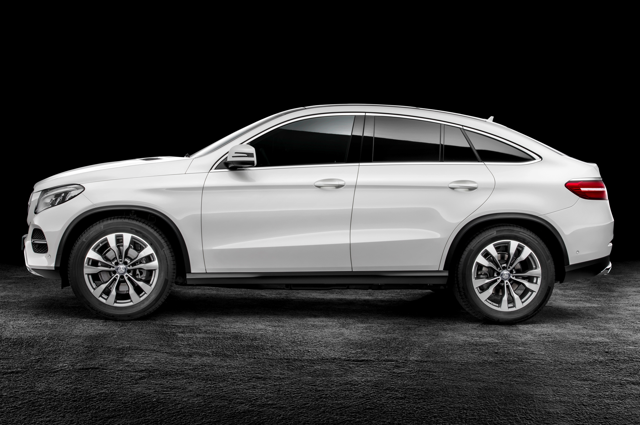 2016 Mercedes Benz Amg Gle63s Coupe Side Profile (Photo 8 of 8)