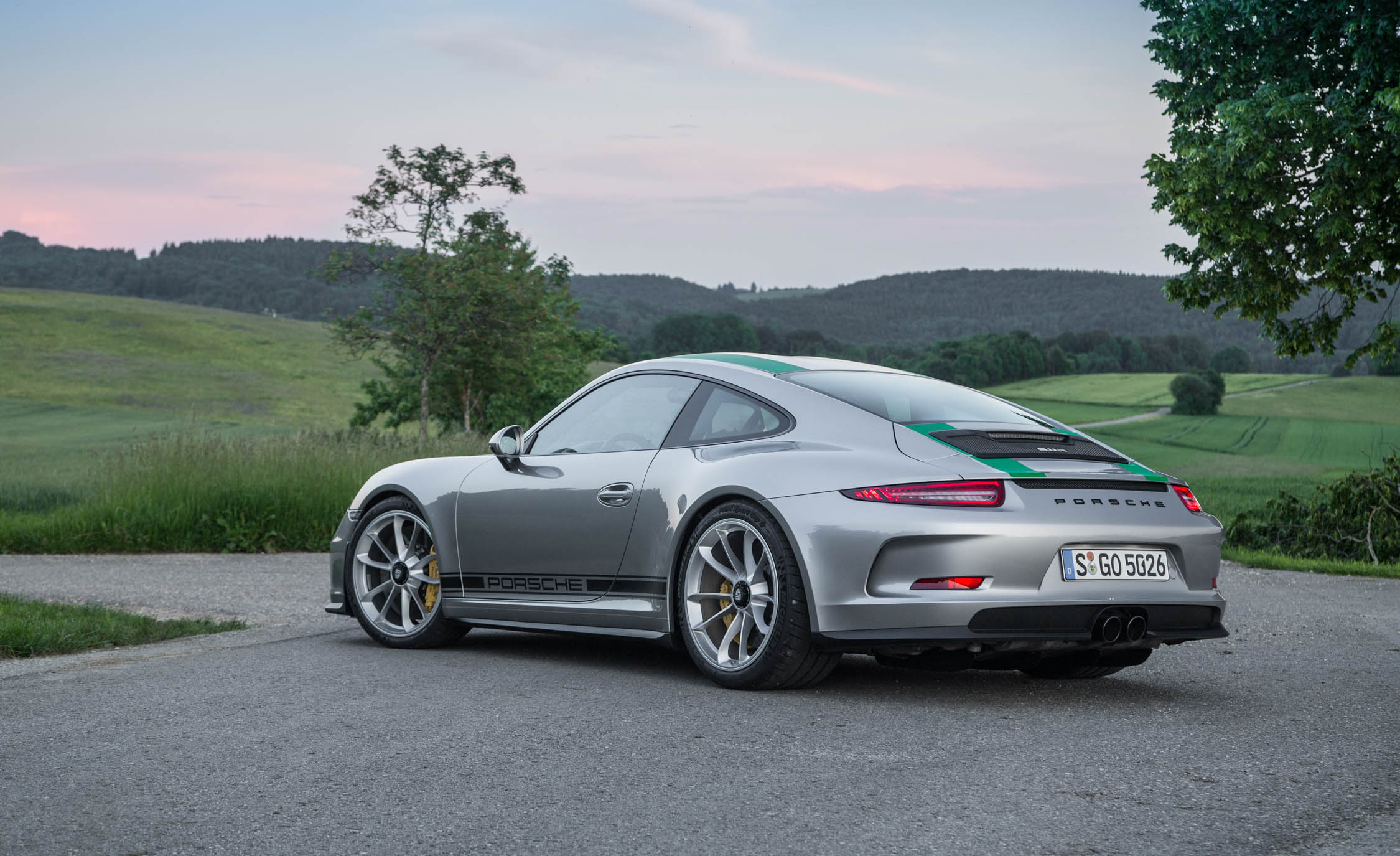 2017 Porsche 911 R (Photo 7 of 15)