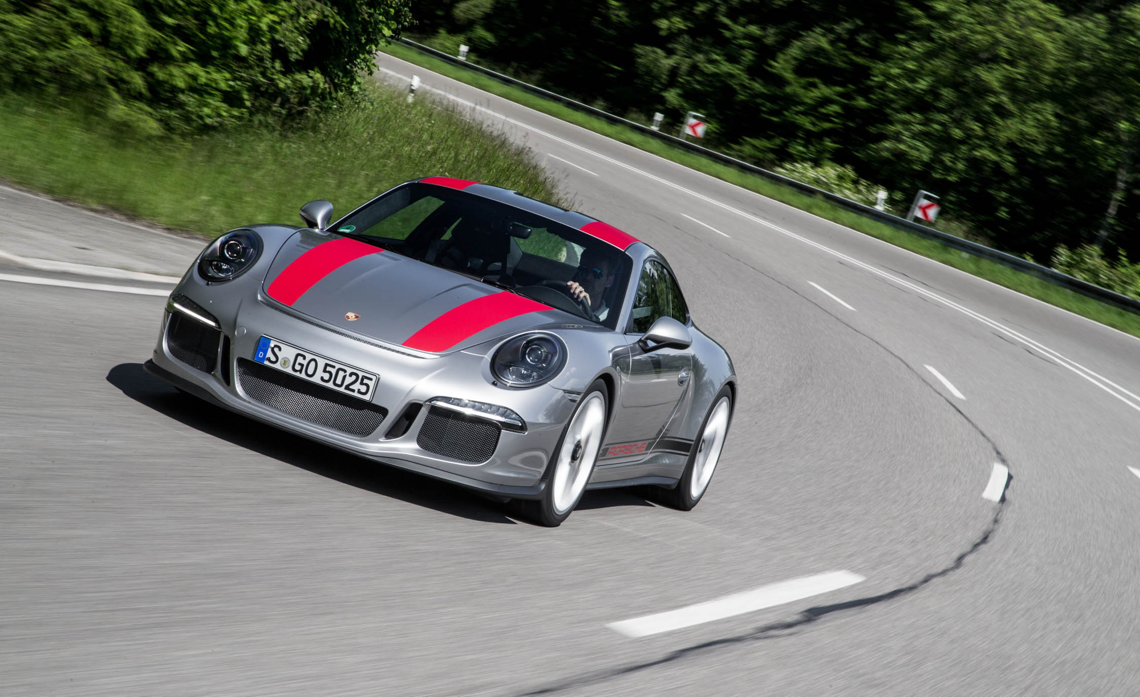 2017 Porsche 911 R (Photo 2 of 15)