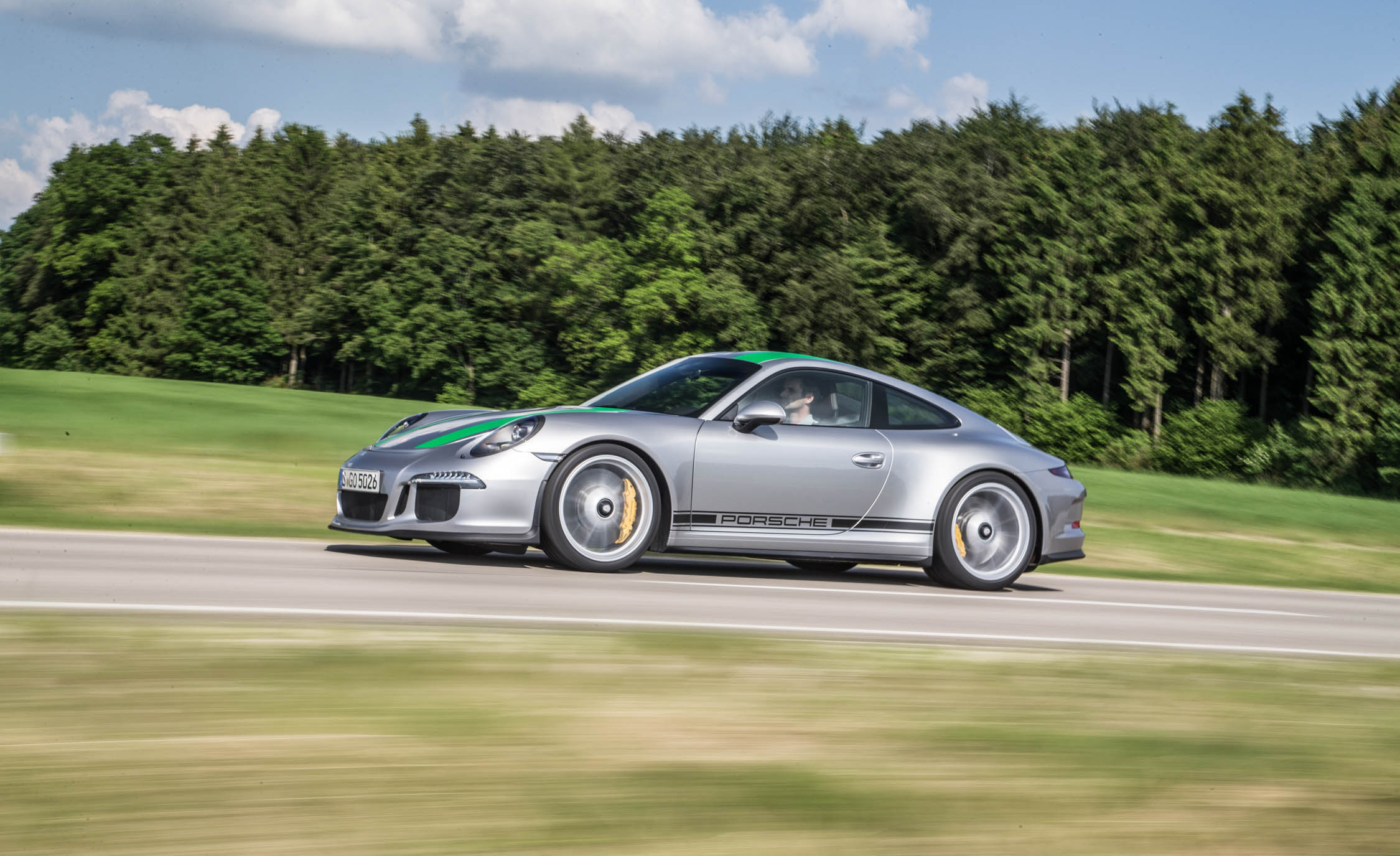 2017 Porsche 911 R (Photo 12 of 15)