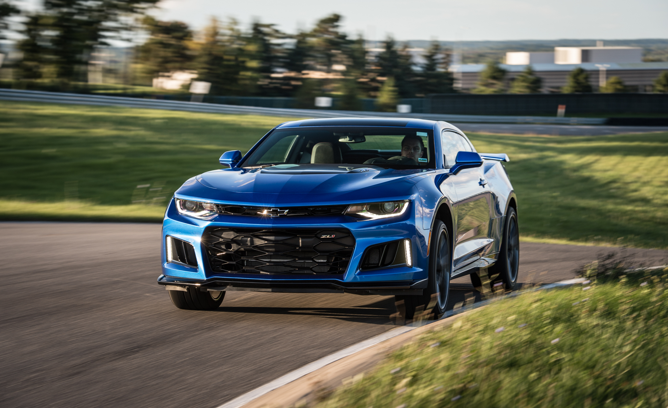 2017 Chevrolet Camaro ZL (Photo 5 of 62)