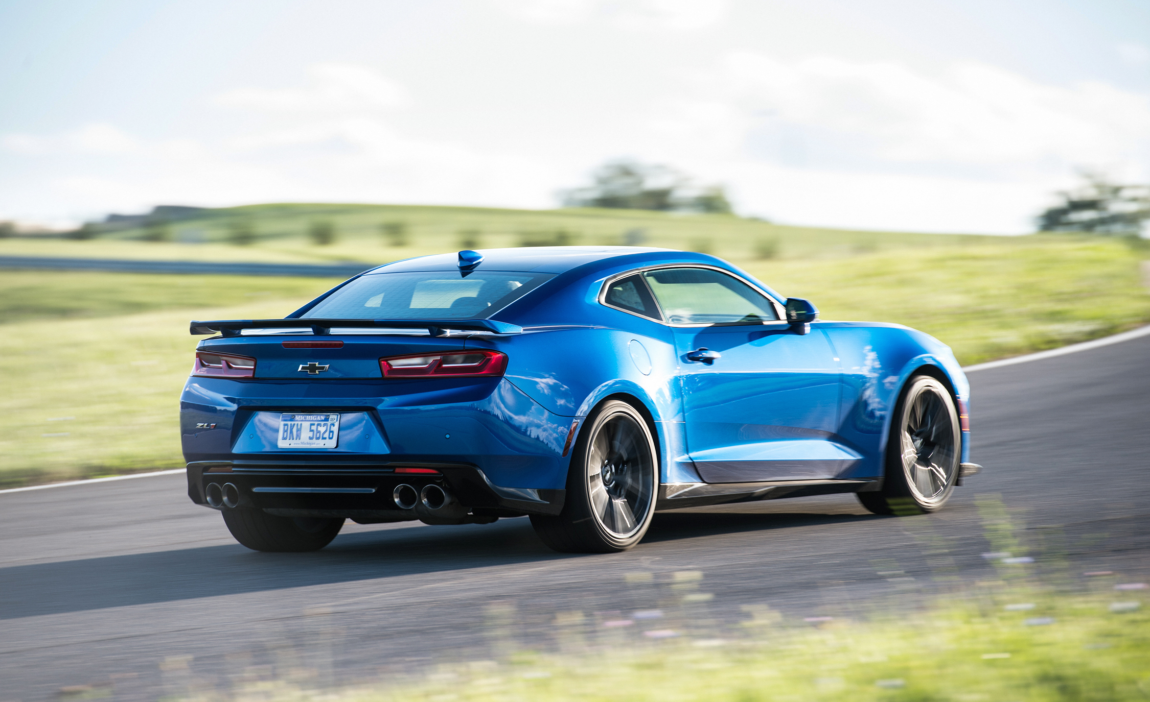 2017 Chevrolet Camaro ZL (Photo 8 of 62)