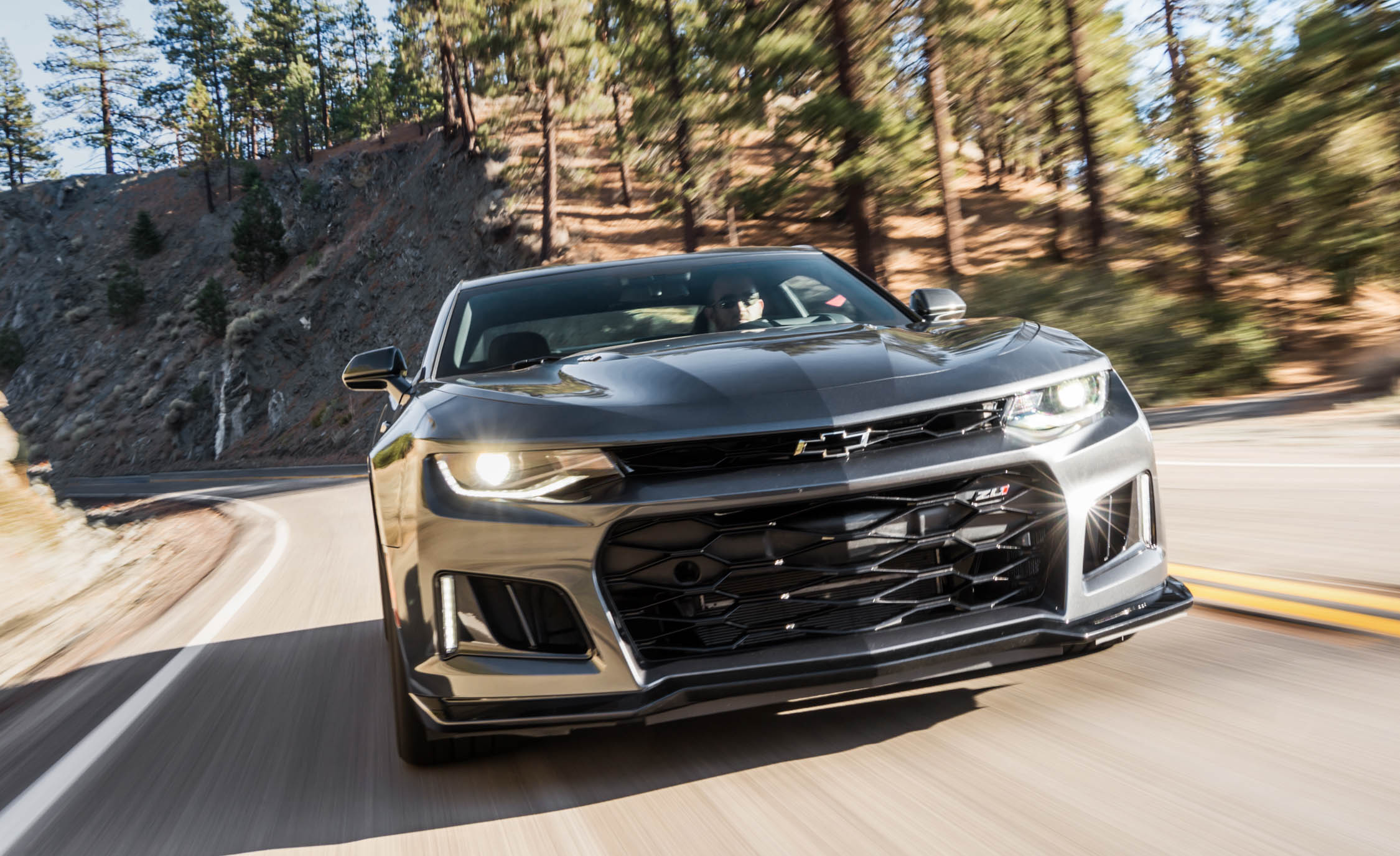 2017 Chevrolet Camaro ZL1 Grey Test Drive Front (Photo 16 of 62)