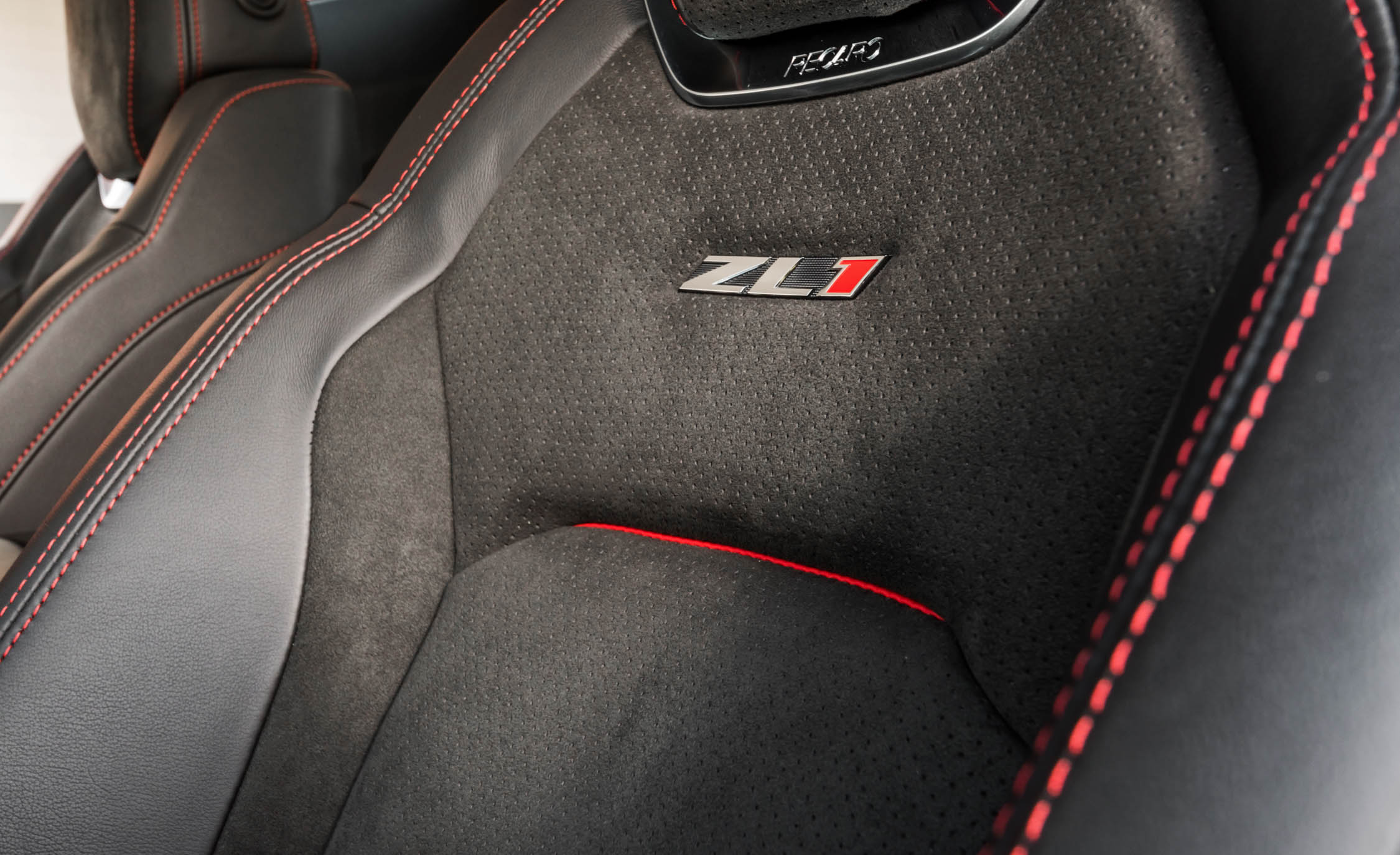 2017 Chevrolet Camaro ZL1 Interior Seats (Photo 22 of 62)