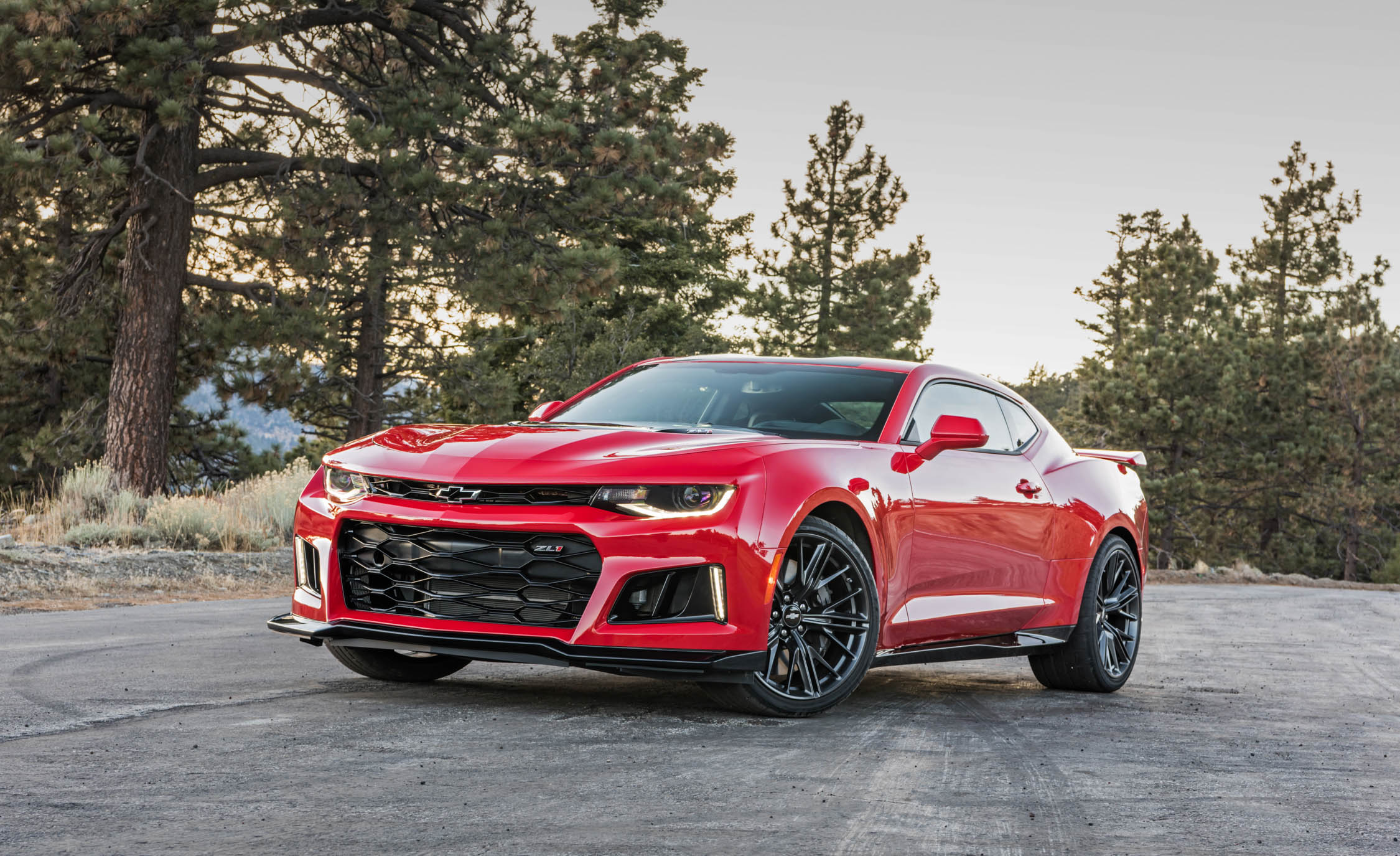 Featured Image of 2017 Chevrolet Camaro ZL