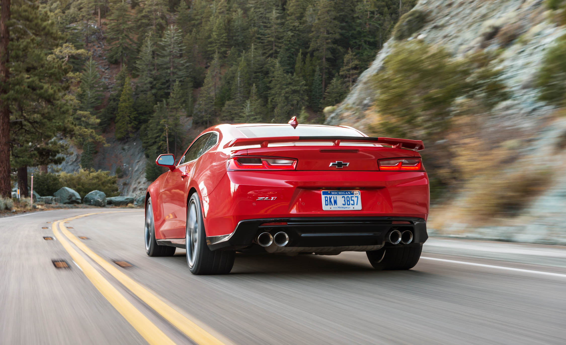 2017 Chevrolet Camaro ZL1 Red Test Drive Rear Corner (Photo 41 of 62)