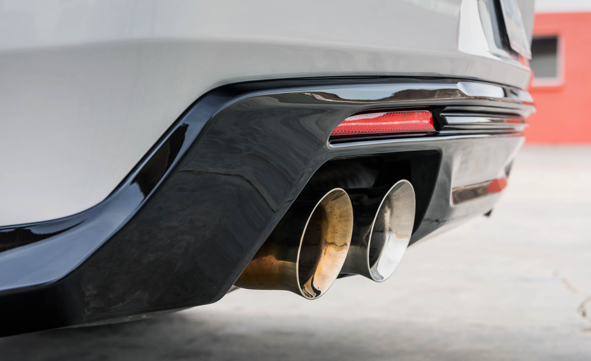 2017 Chevrolet Camaro ZL1 White Exterior View Exhaust Muffler (Photo 45 of 62)
