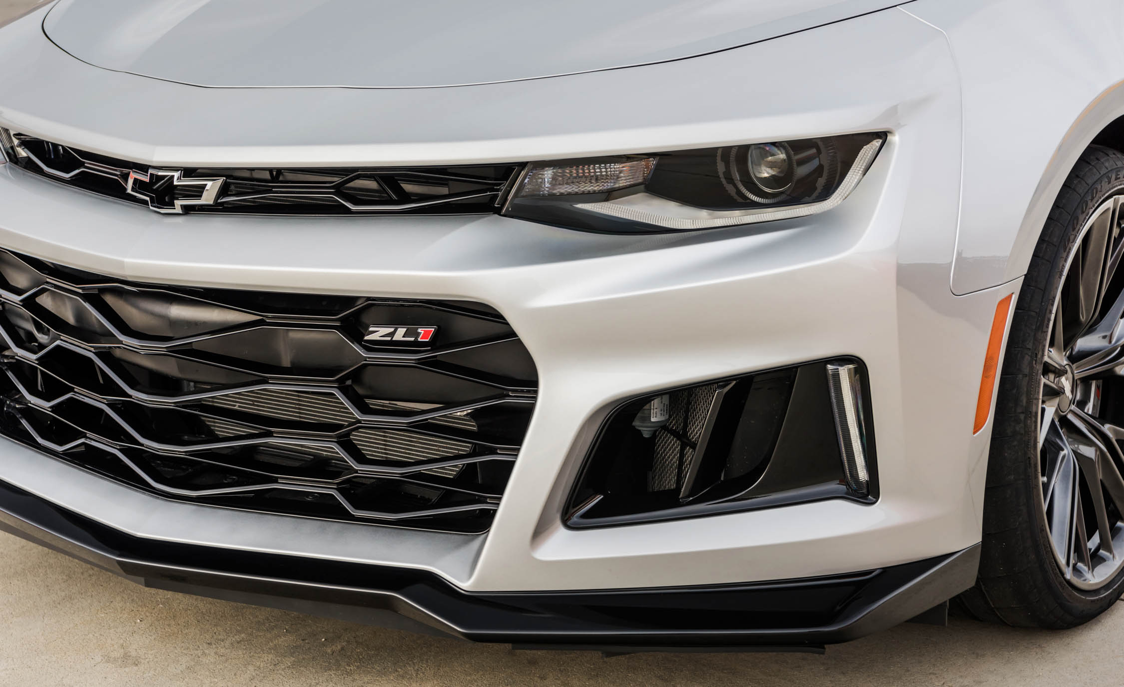 2017 Chevrolet Camaro ZL1 White Exterior View Headlight And Bumper (Photo 51 of 62)