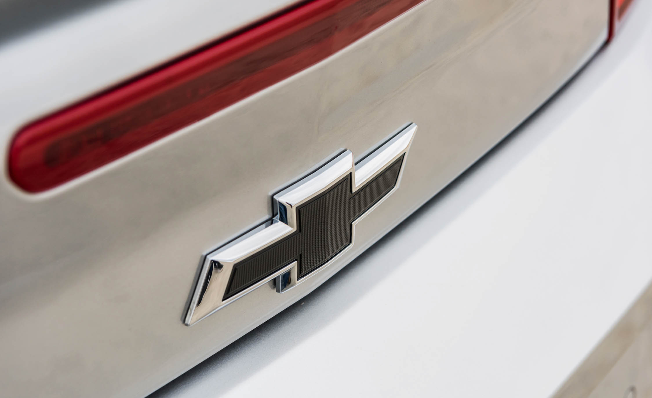2017 Chevrolet Camaro ZL1 White Exterior View Rear Badge Emblem (Photo 52 of 62)