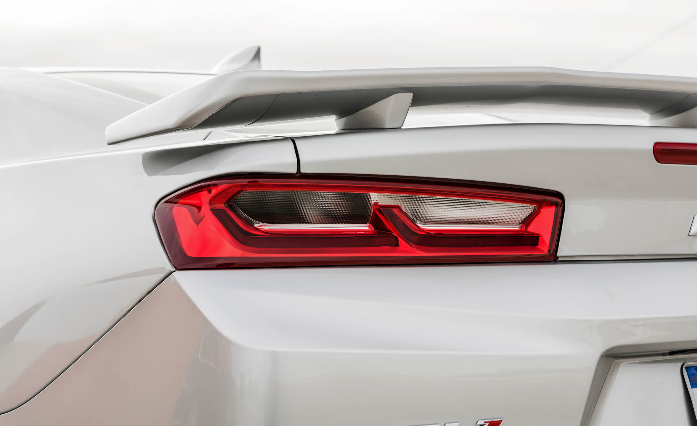 2017 Chevrolet Camaro ZL1 White Exterior View Taillight (Photo 54 of 62)