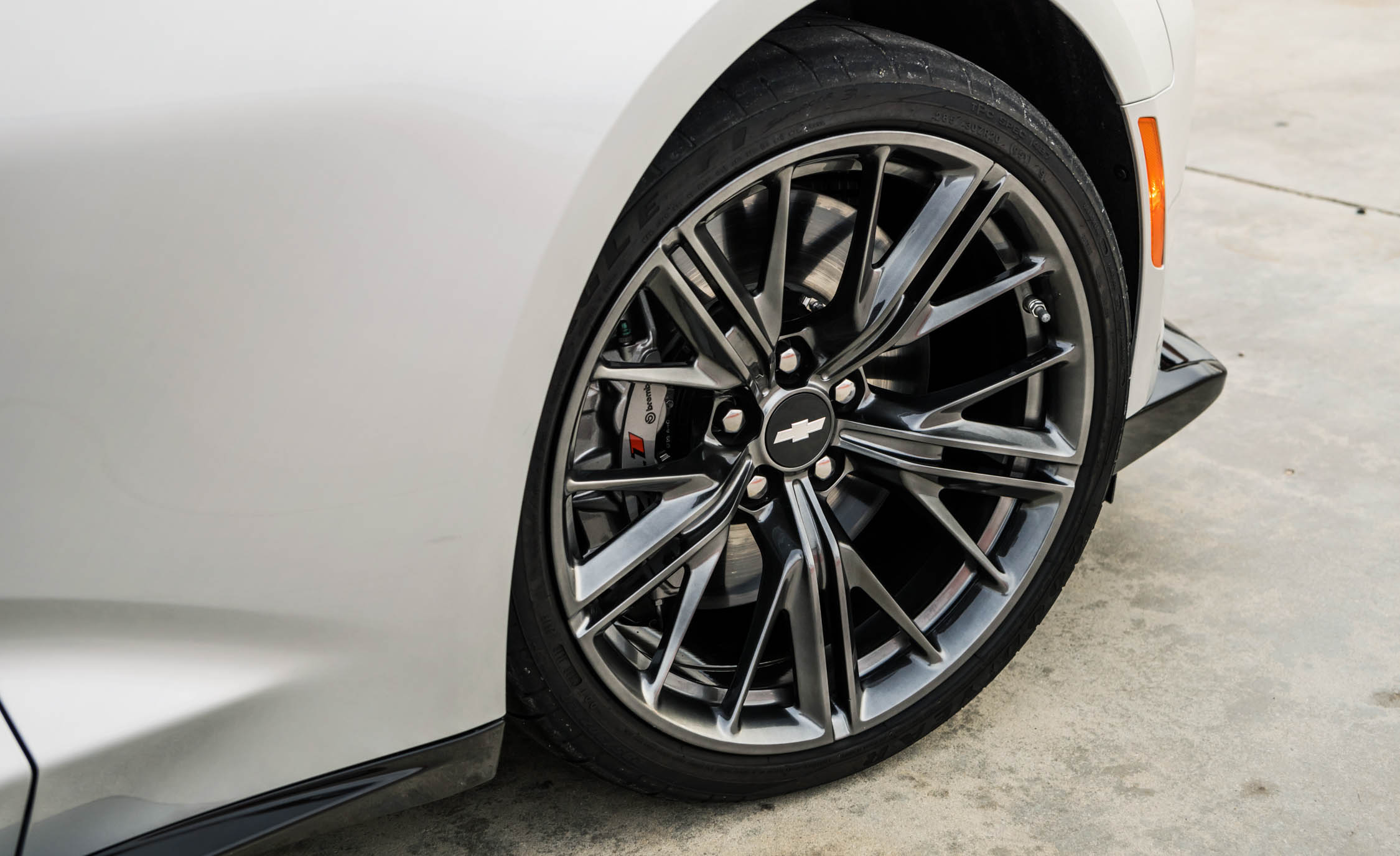 2017 Chevrolet Camaro ZL1 White Exterior View Wheel (Photo 56 of 62)