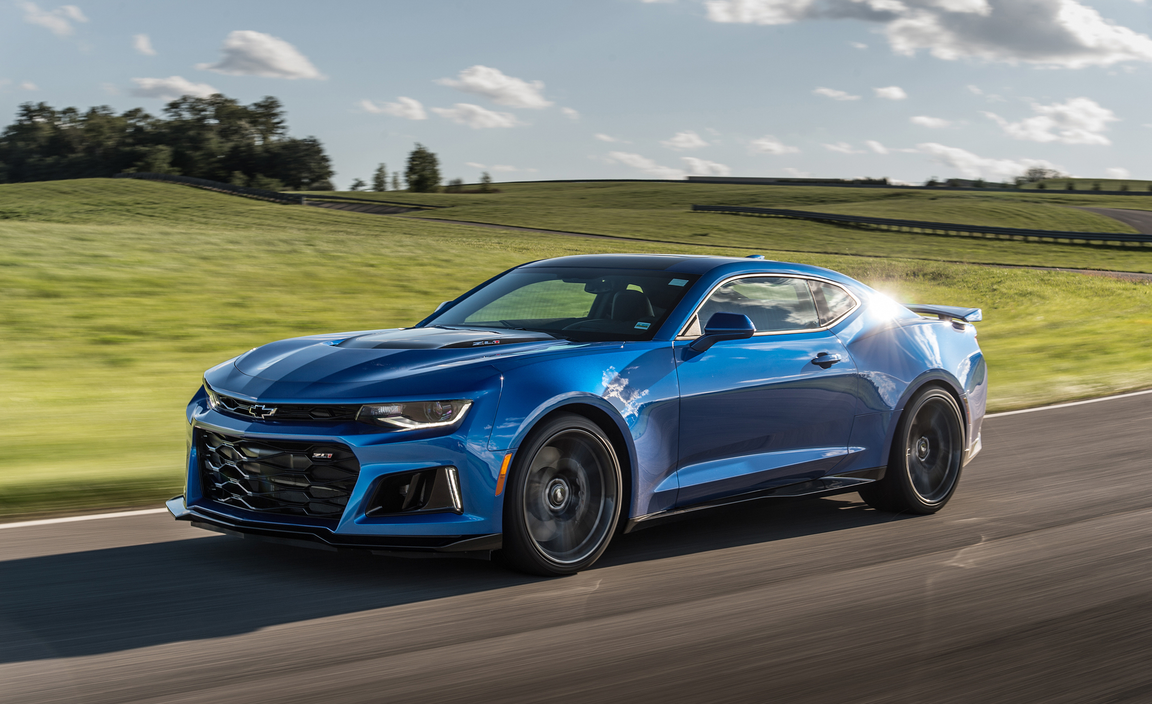 2017 Chevrolet Camaro ZL (Photo 9 of 62)