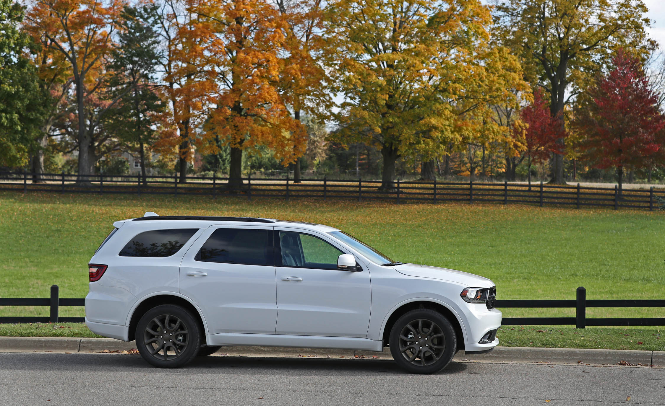 2017 Dodge Durango GT AWD (Photo 10 of 12)