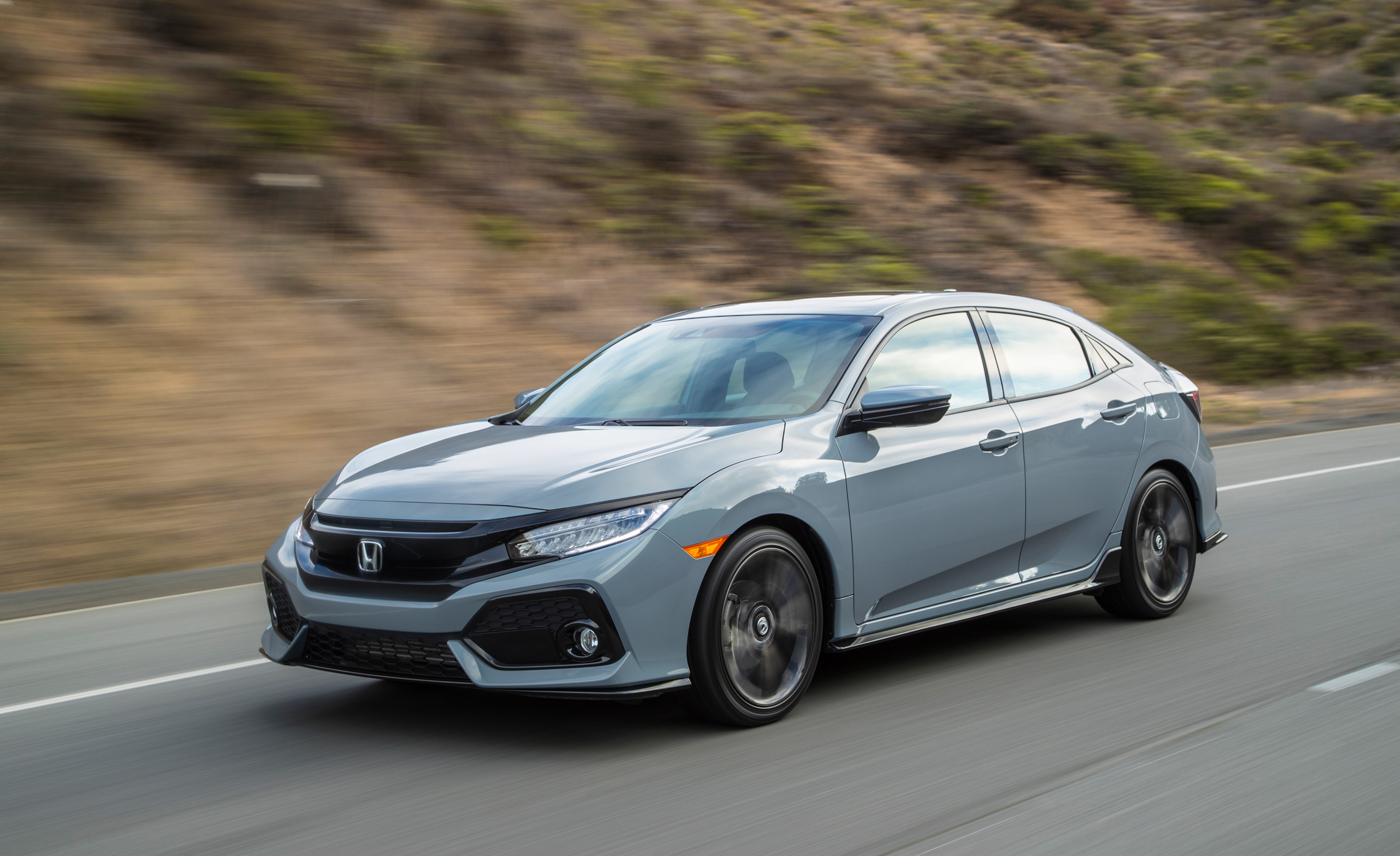 2017 Honda Civic Hatchback (Photo 5 of 34)