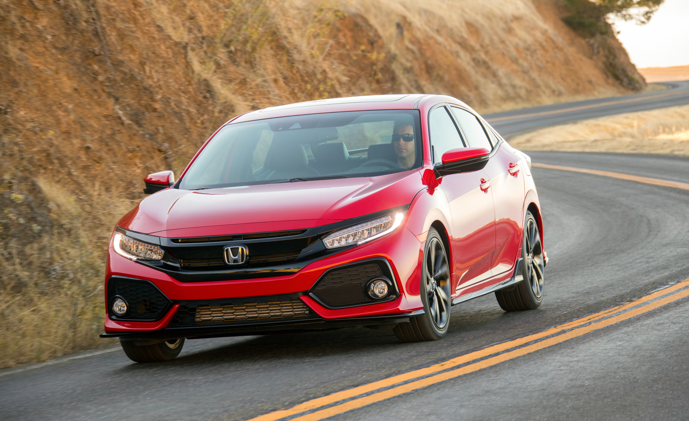 2017 Honda Civic Hatchback (Photo 18 of 34)