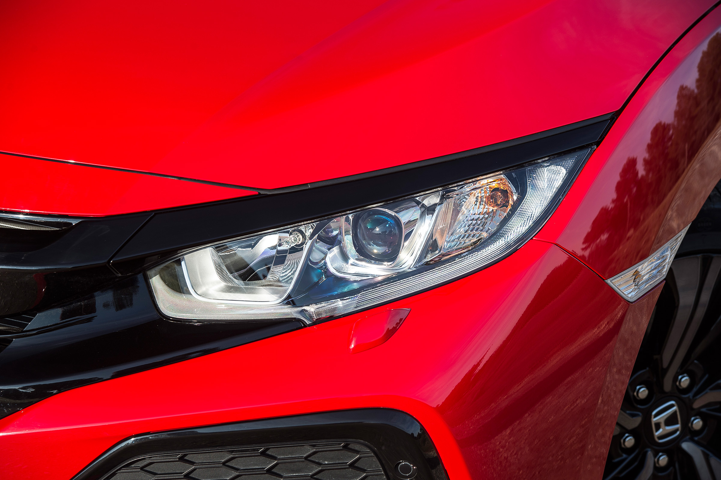2017 Honda Civic Hatchback Red Exterior View Headlight (Photo 27 of 34)