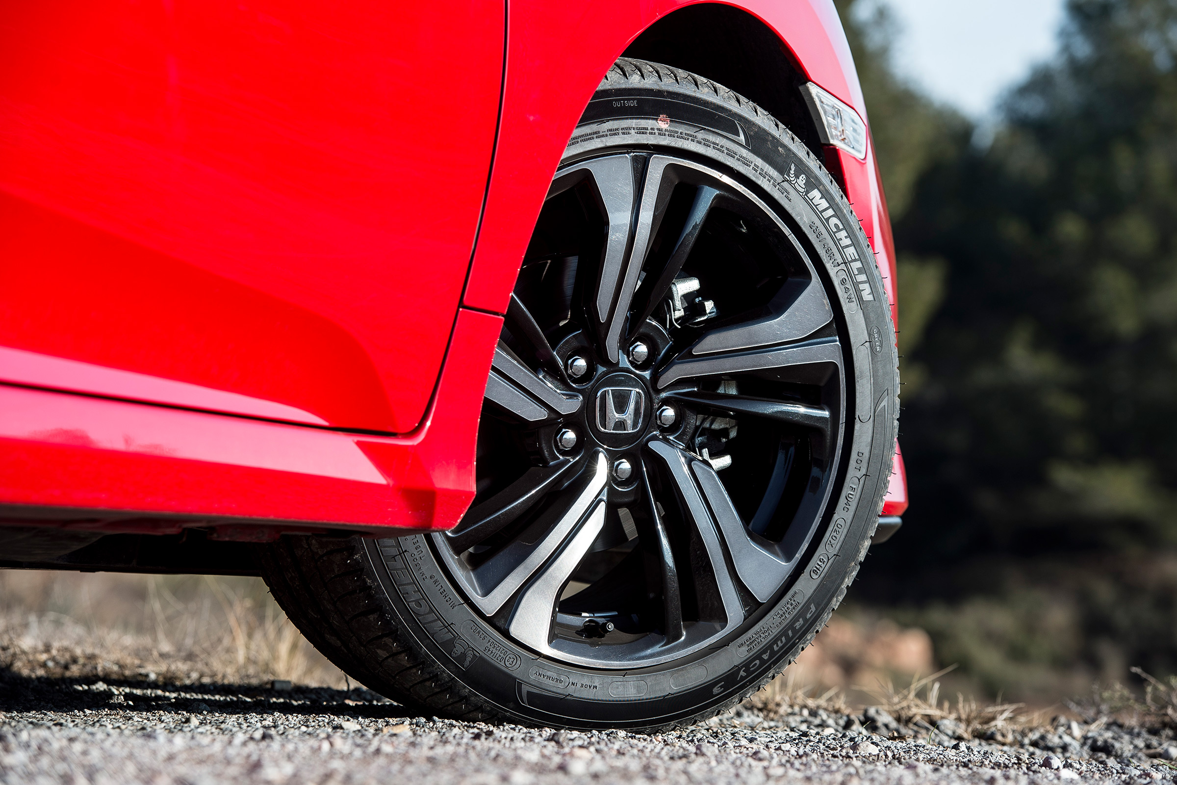 2017 Honda Civic Hatchback Red Exterior View Wheel Trim (Photo 29 of 34)