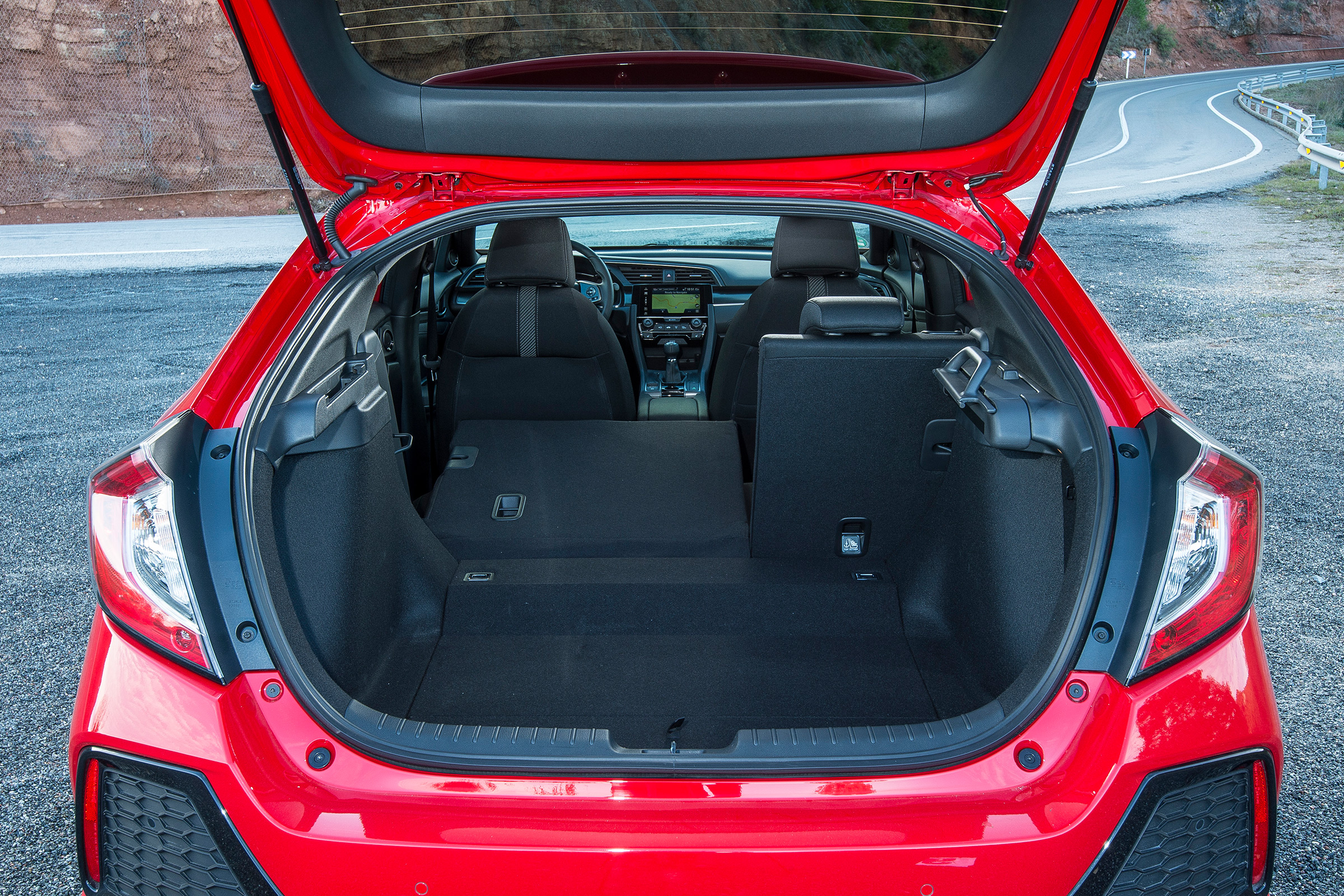 2017 Honda Civic Hatchback Red Interior View Cargo Trunk (Photo 30 of 34)