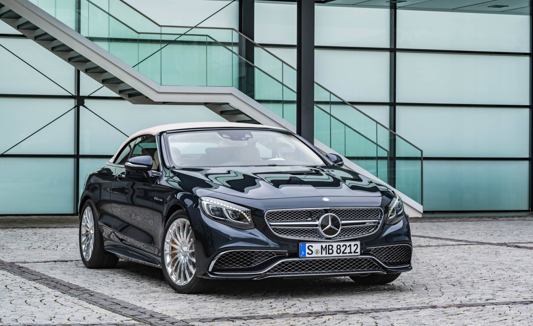 2017 Mercedes Amg S65 Cabriolet Exterior Front And Roof Close (View 12 of 15)