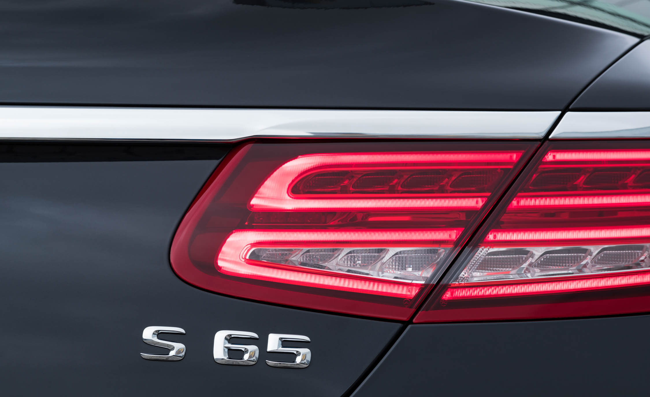 2017 Mercedes Amg S65 Cabriolet Exterior View Taillight (Photo 10 of 15)