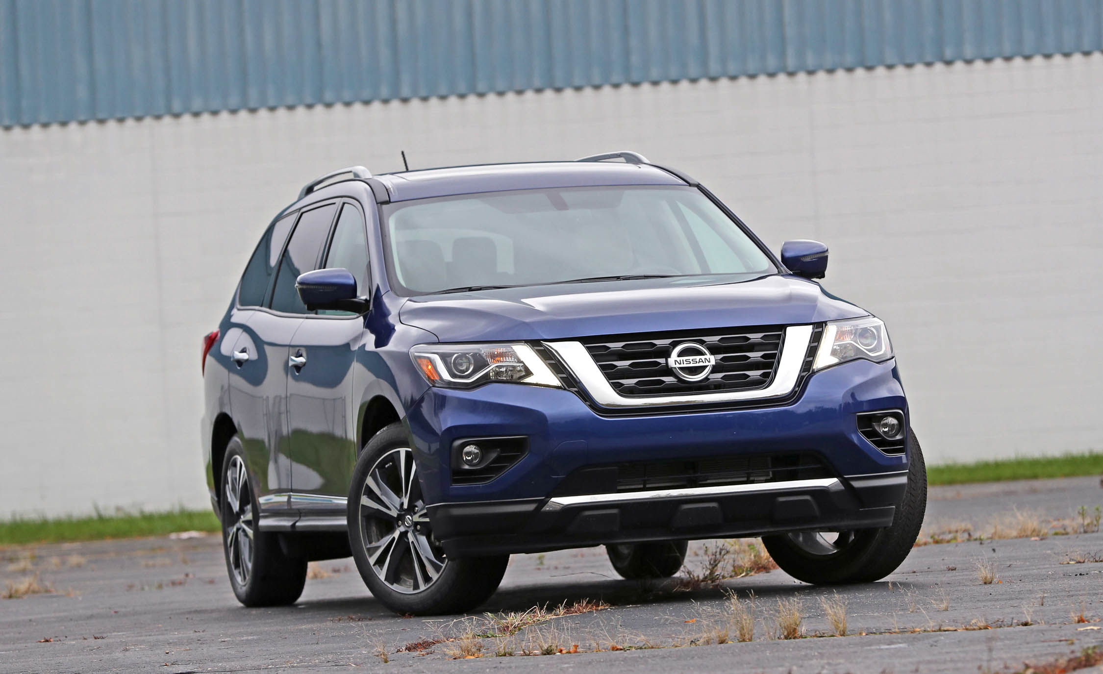 2017 Nissan Pathfinder Platinum 4WD (Photo 12 of 12)