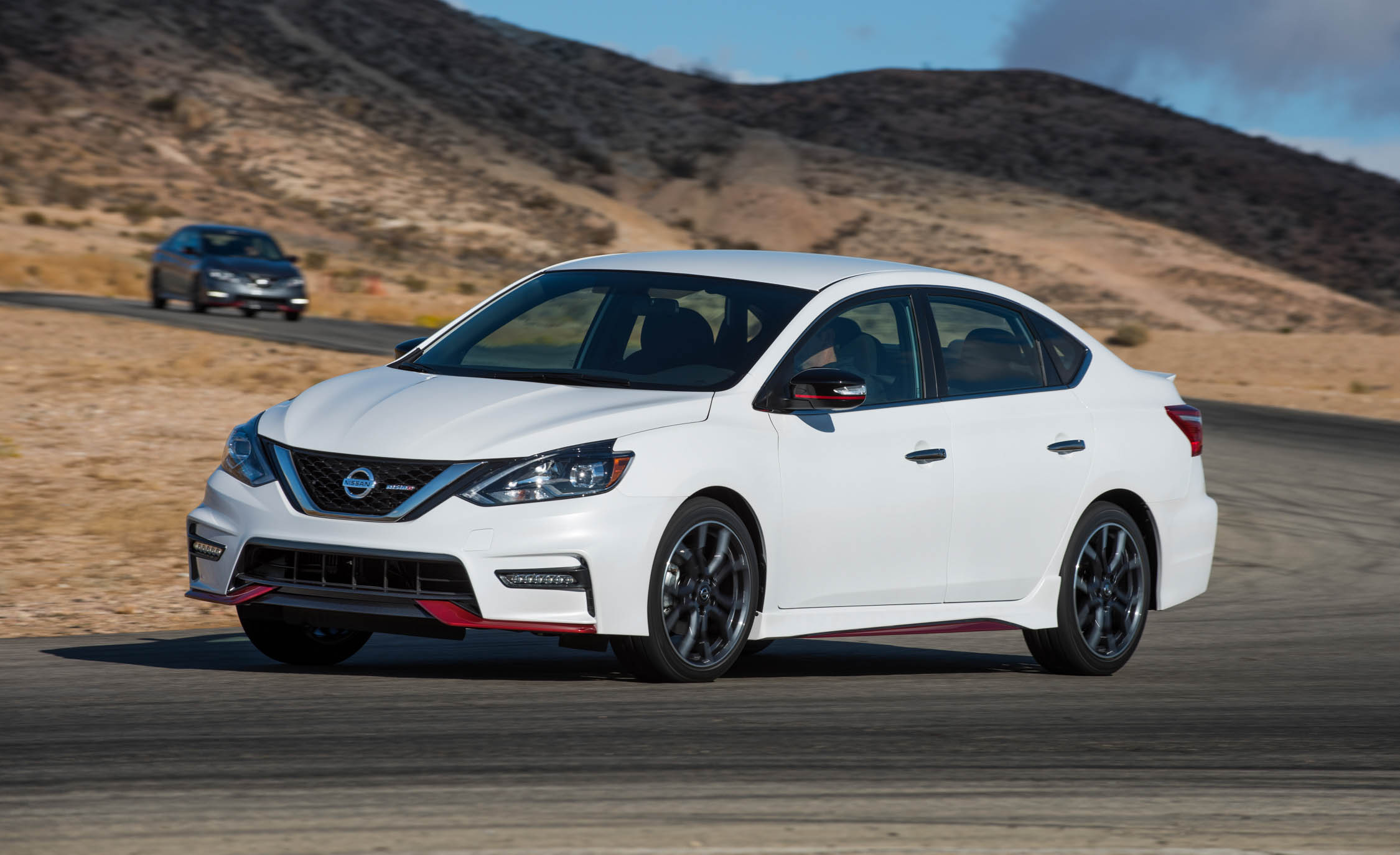 2017 Nissan Sentra NISMO (Photo 5 of 22)