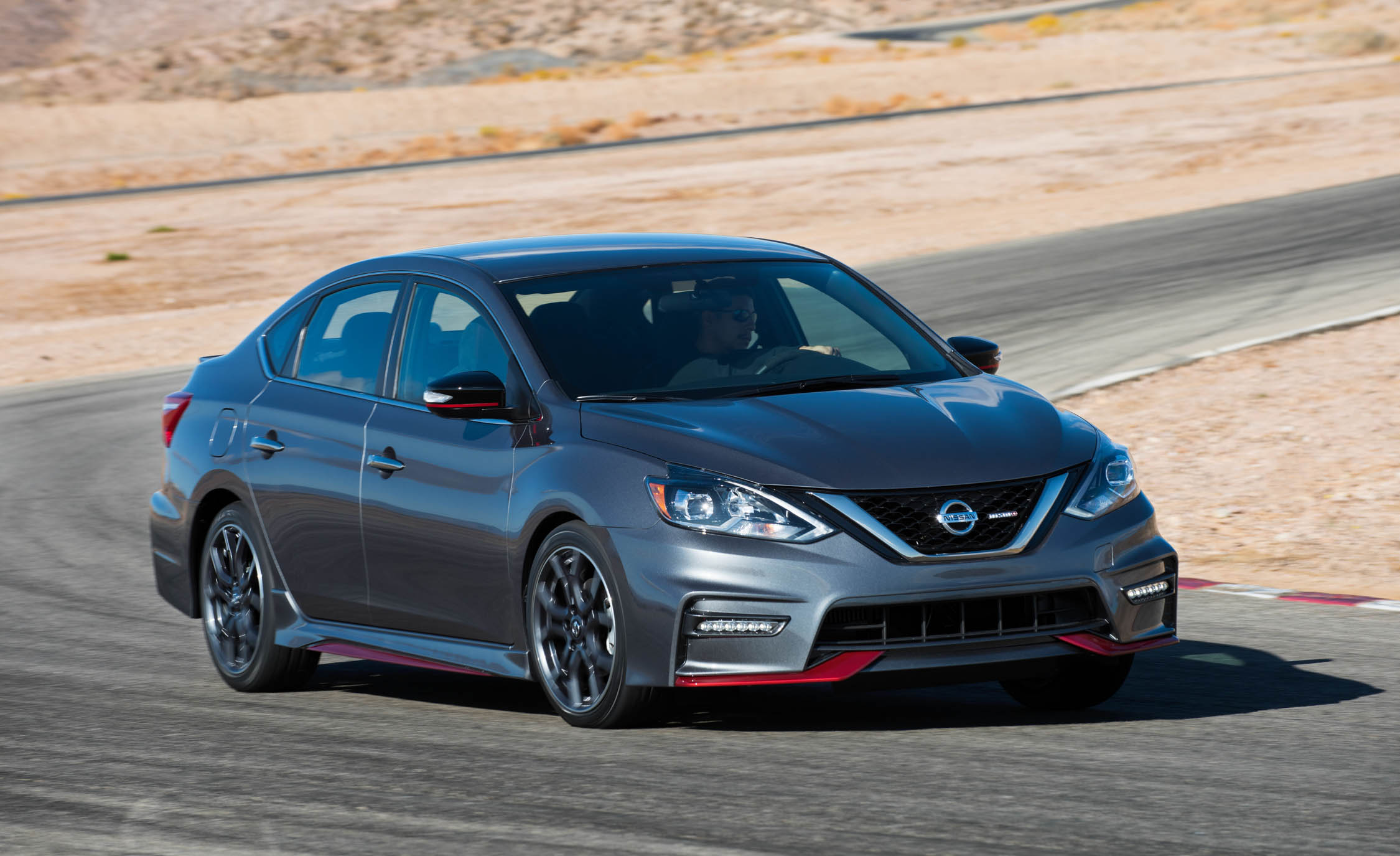2017 Nissan Sentra NISMO (Photo 16 of 22)