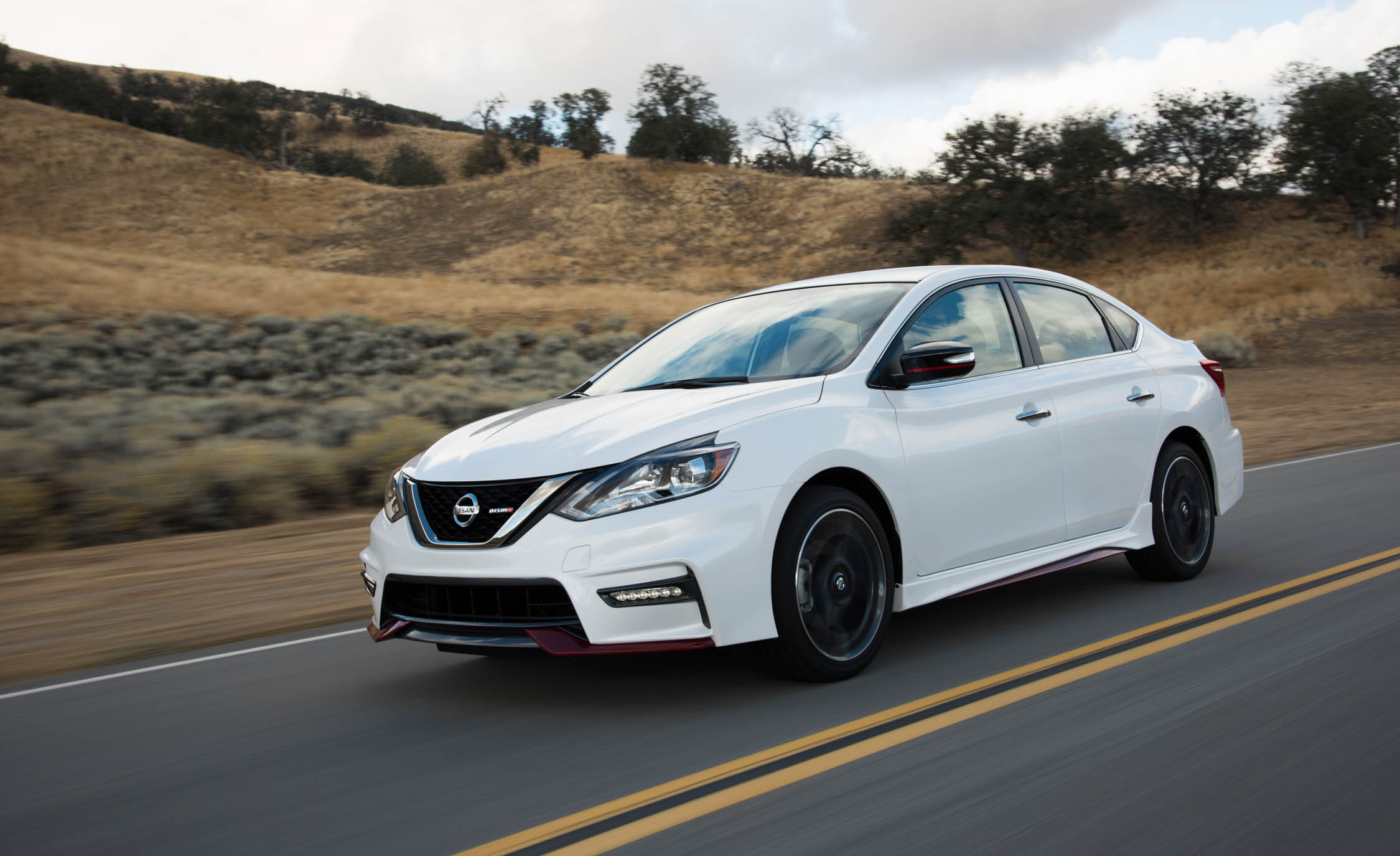 Featured Image of 2017 Nissan Sentra NISMO