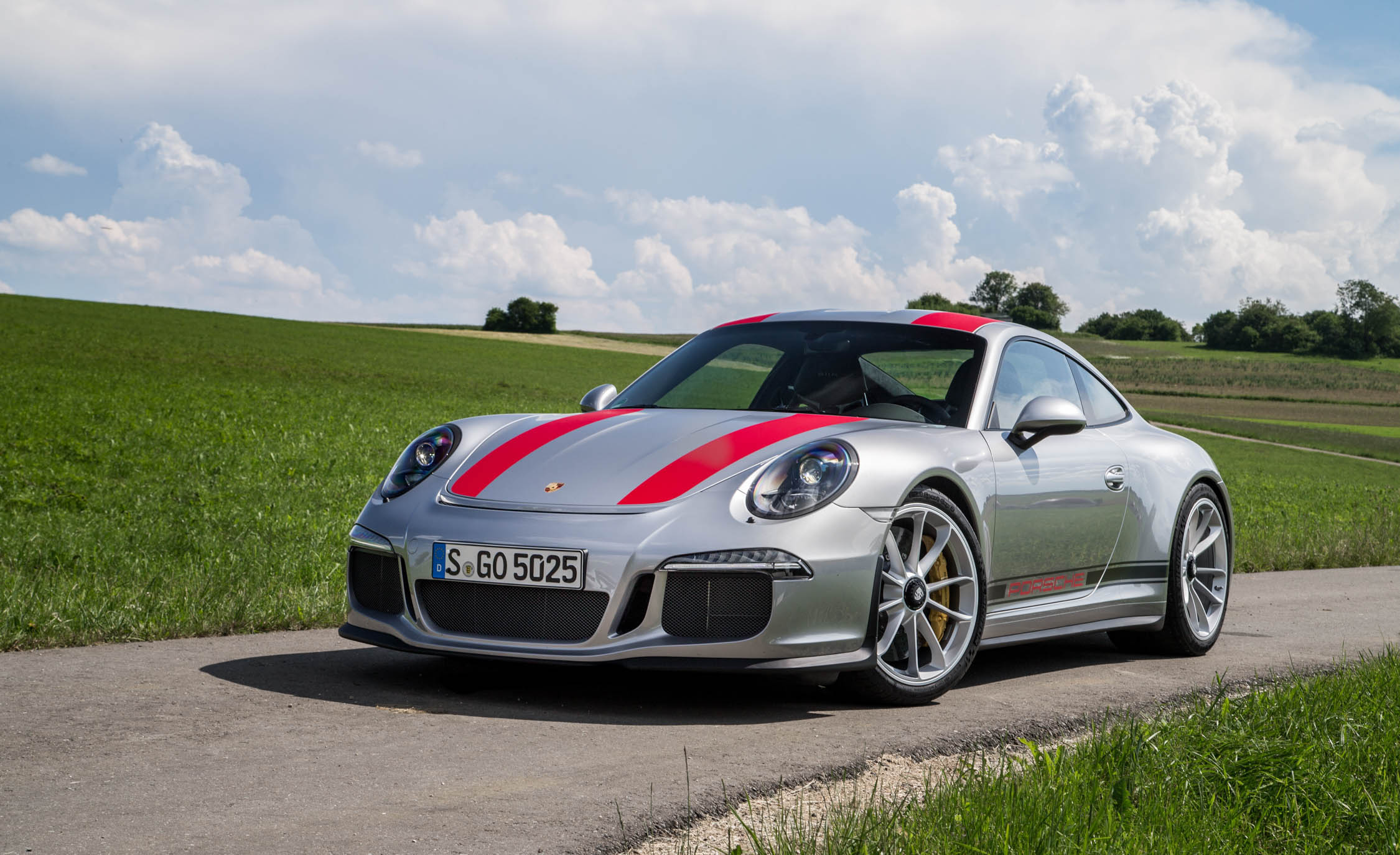2017 Porsche 911 R (Photo 1 of 15)