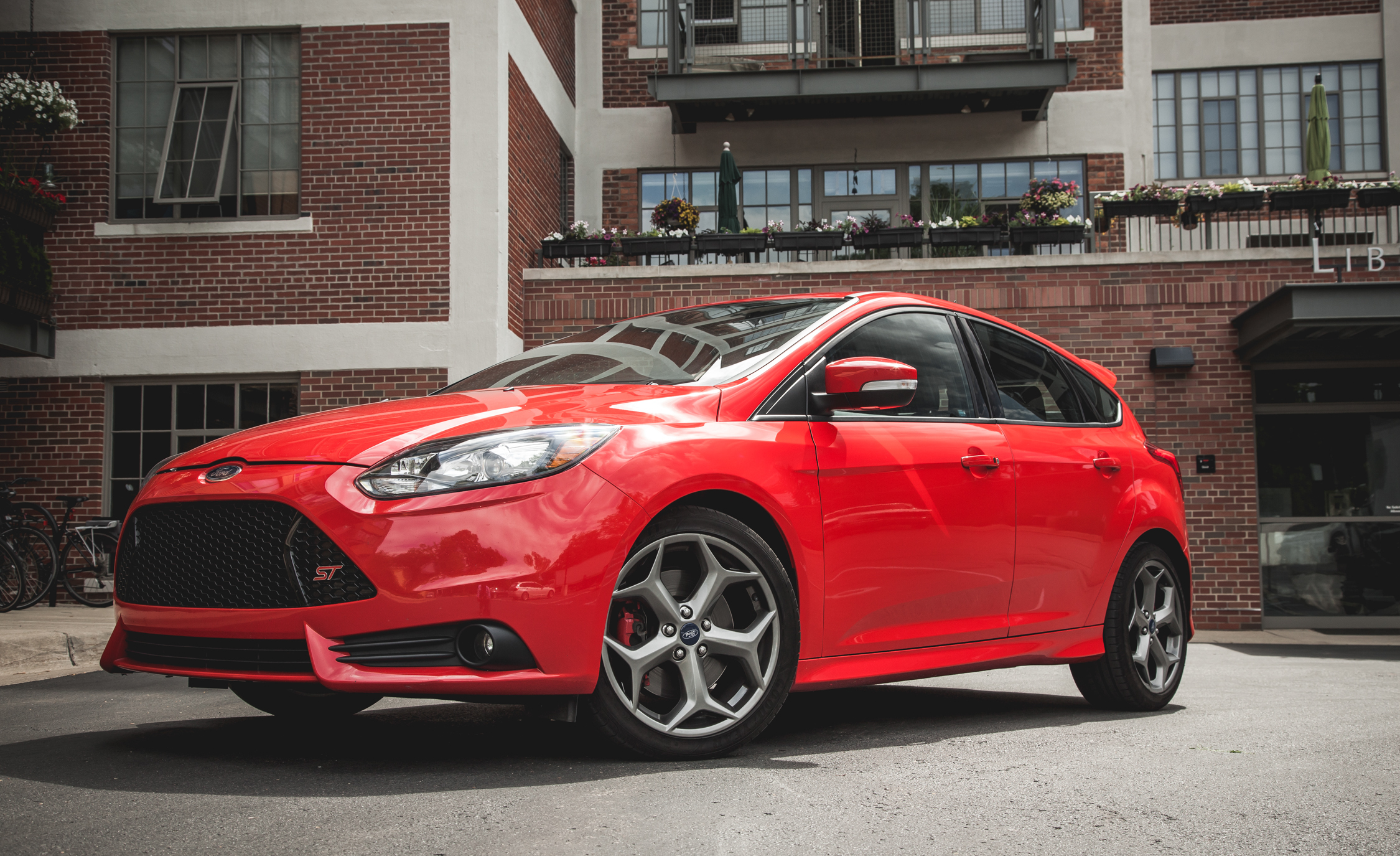 2014 Ford Focus ST (Photo 12 of 25)