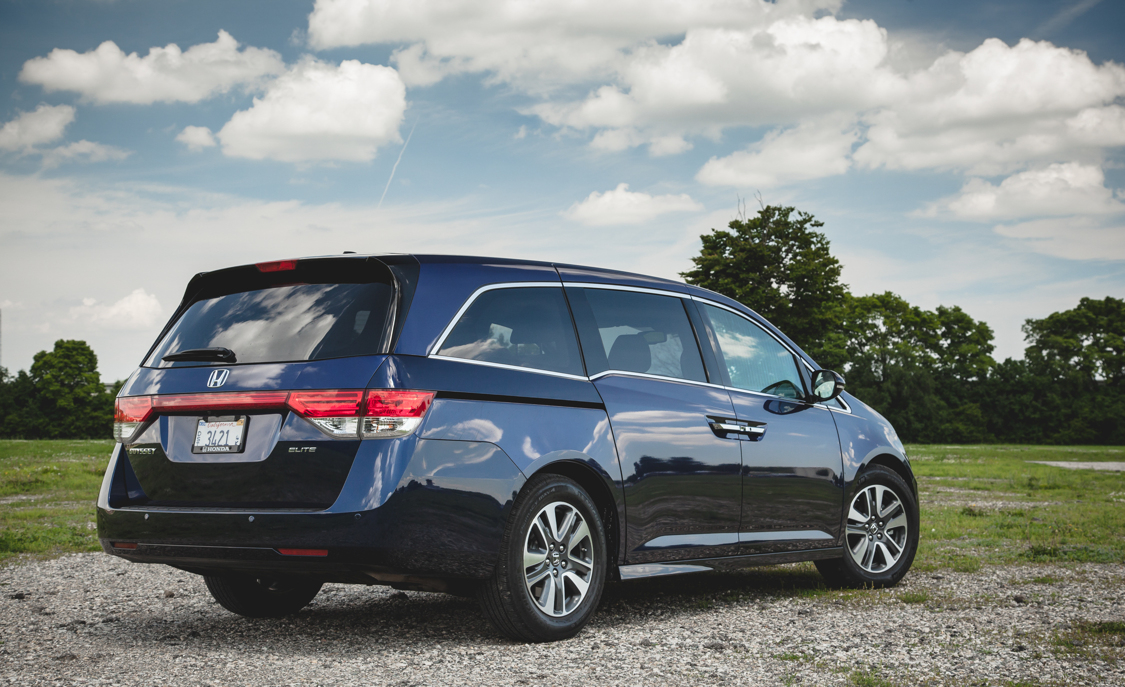 2014 Honda Odyssey Touring Elite (View 3 of 19)