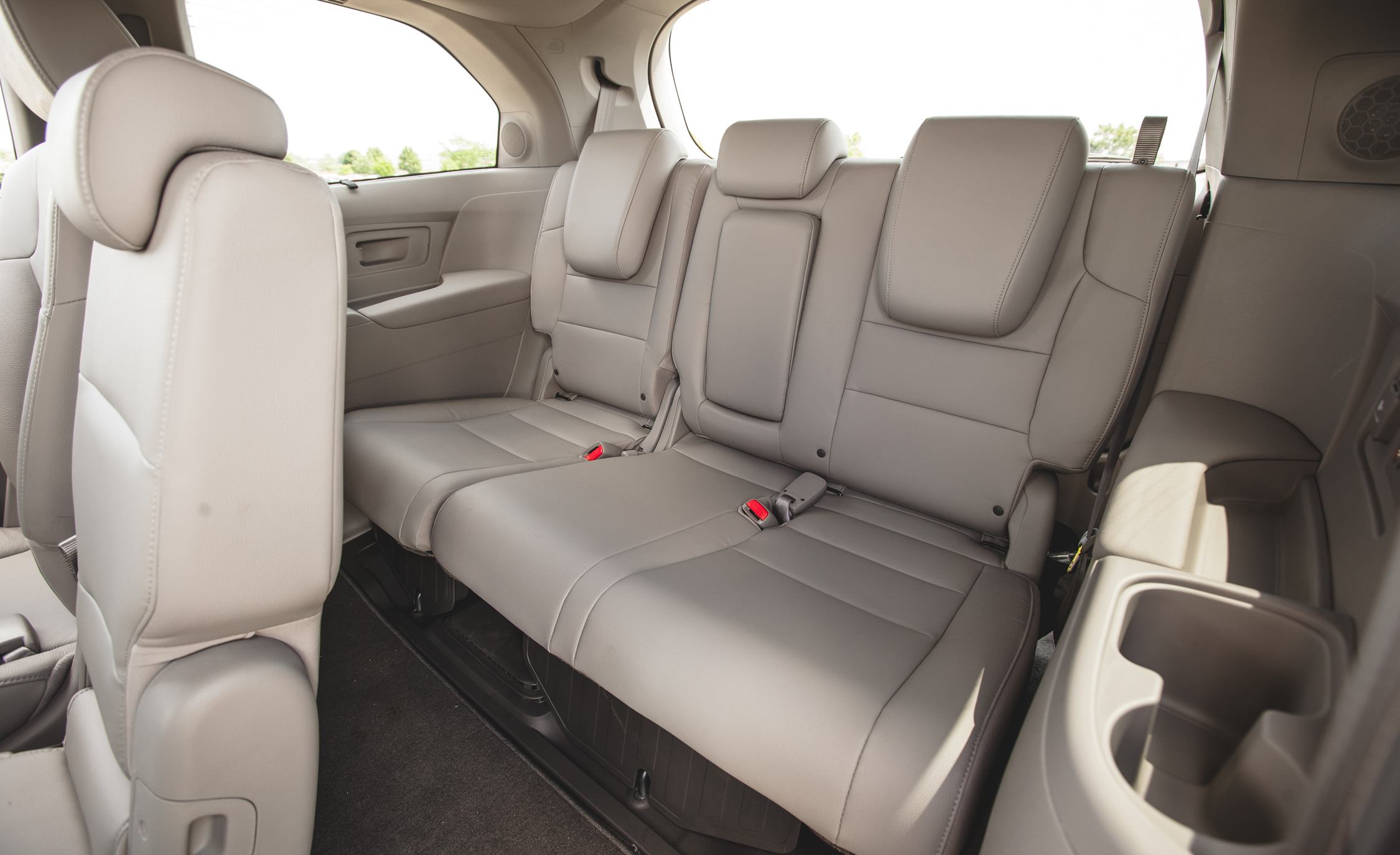 2014 Honda Odyssey Touring Elite Interior (View 9 of 19)