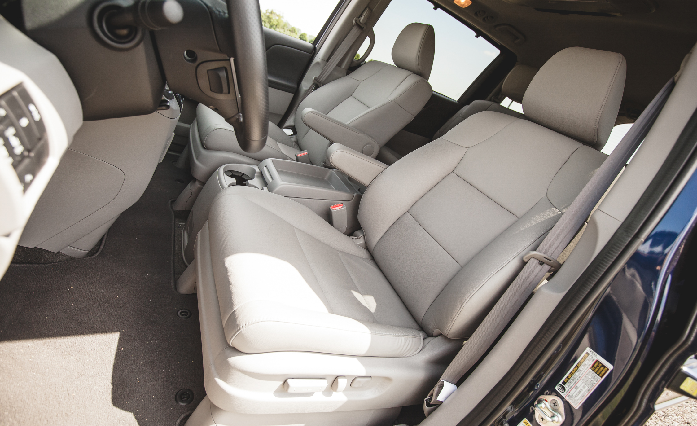 2014 Honda Odyssey Touring Elite Interior (View 10 of 19)