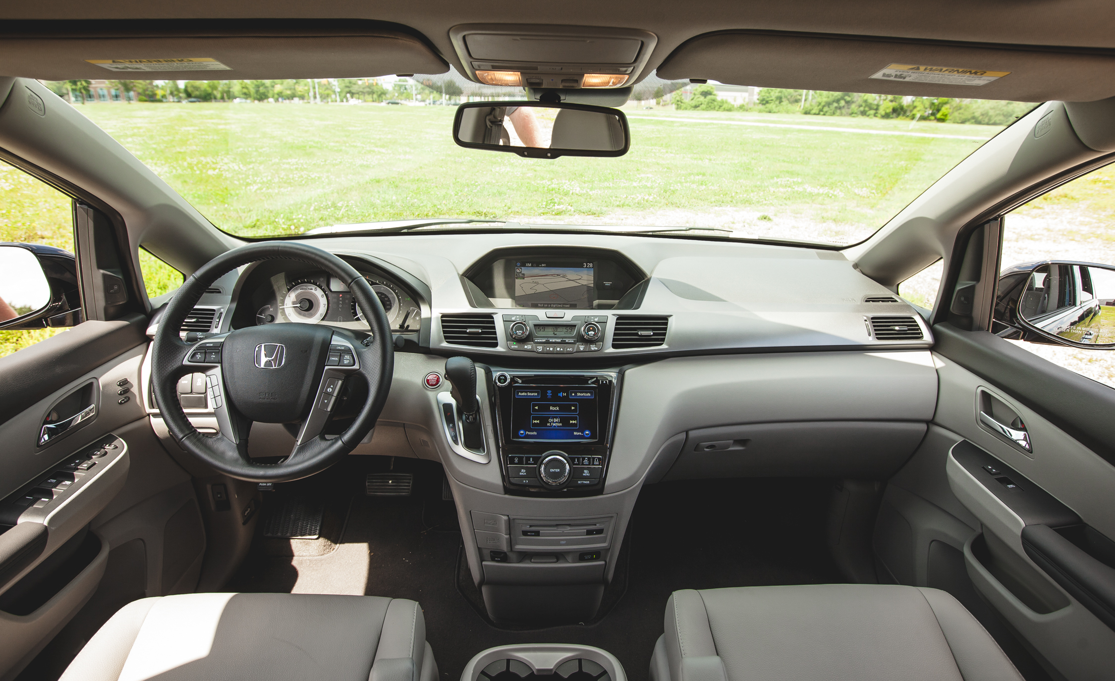 2014 Honda Odyssey Touring Elite Interior (View 12 of 19)