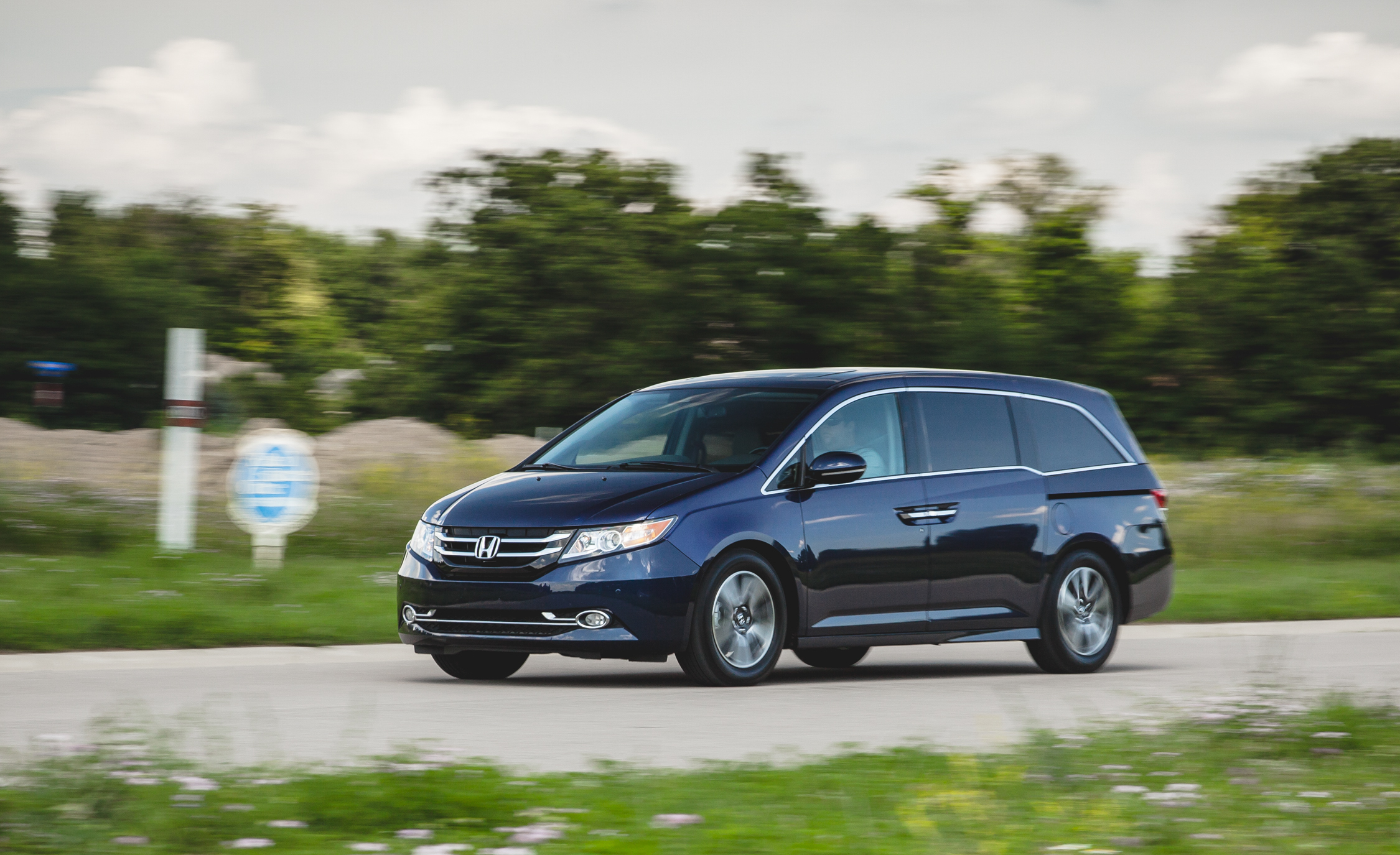 2014 Honda Odyssey Touring Elite (View 17 of 19)