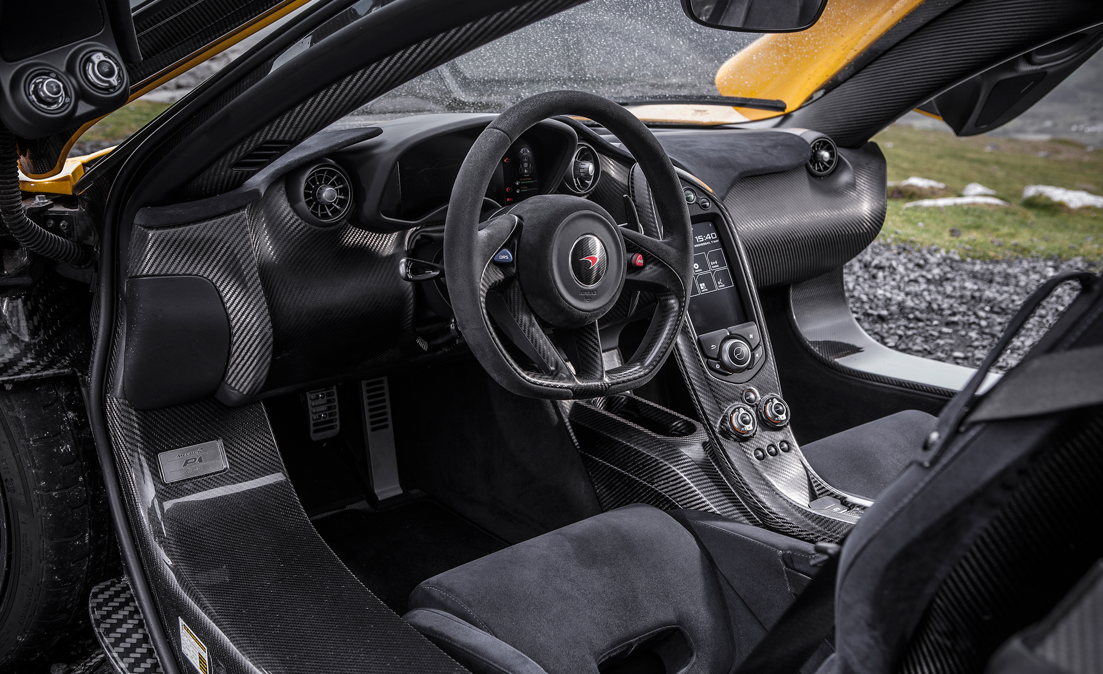 2014 McLaren P1 Interior (Photo 52 of 53)