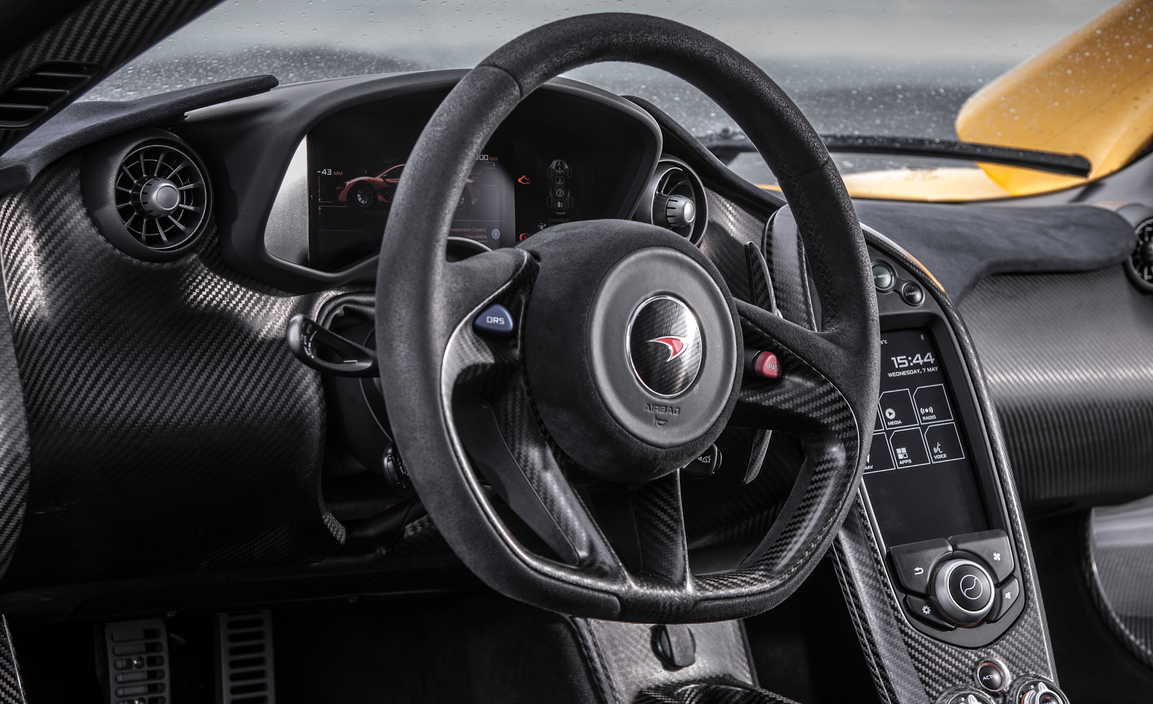 2014 McLaren P1 Interior (Photo 51 of 53)