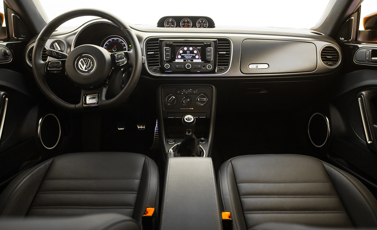 2014 Volkswagen Beetle R Line Coupe Interior (Photo 12 of 13)