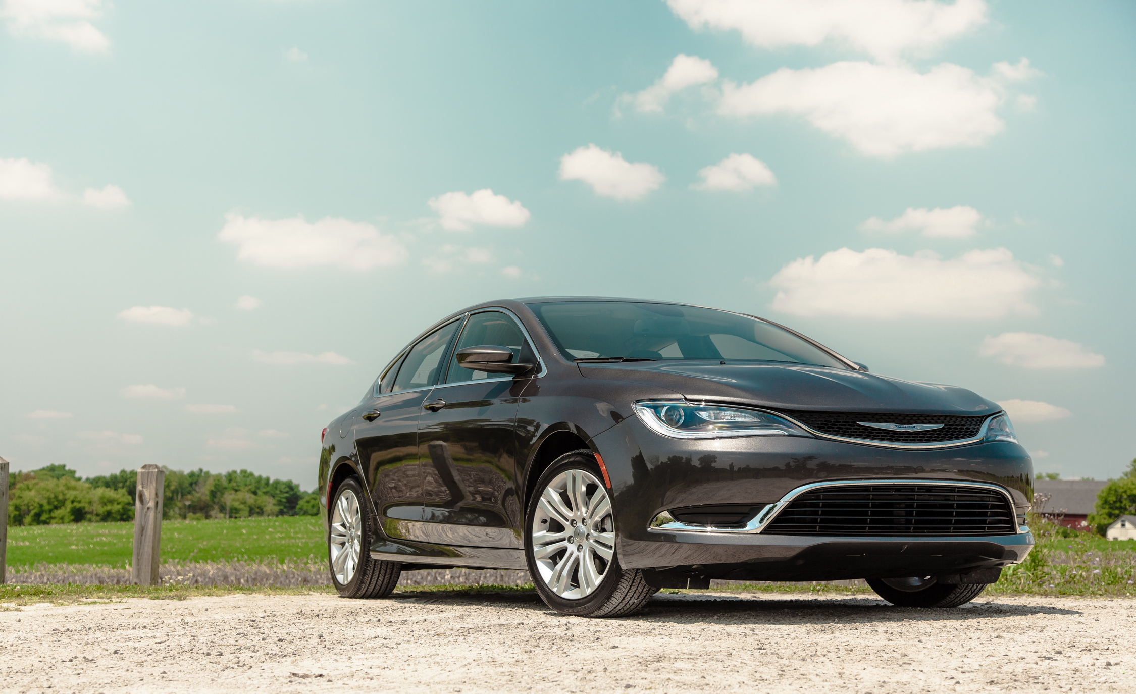2015 Chrysler 200 Limited (View 1 of 19)