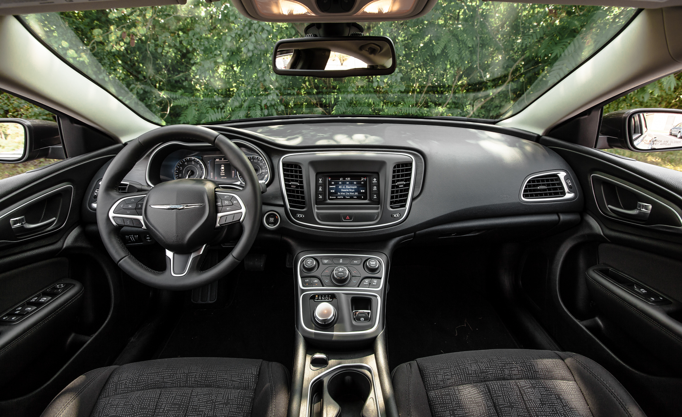 2015 Chrysler 200 Limited Interior (Photo 14 Of 19)