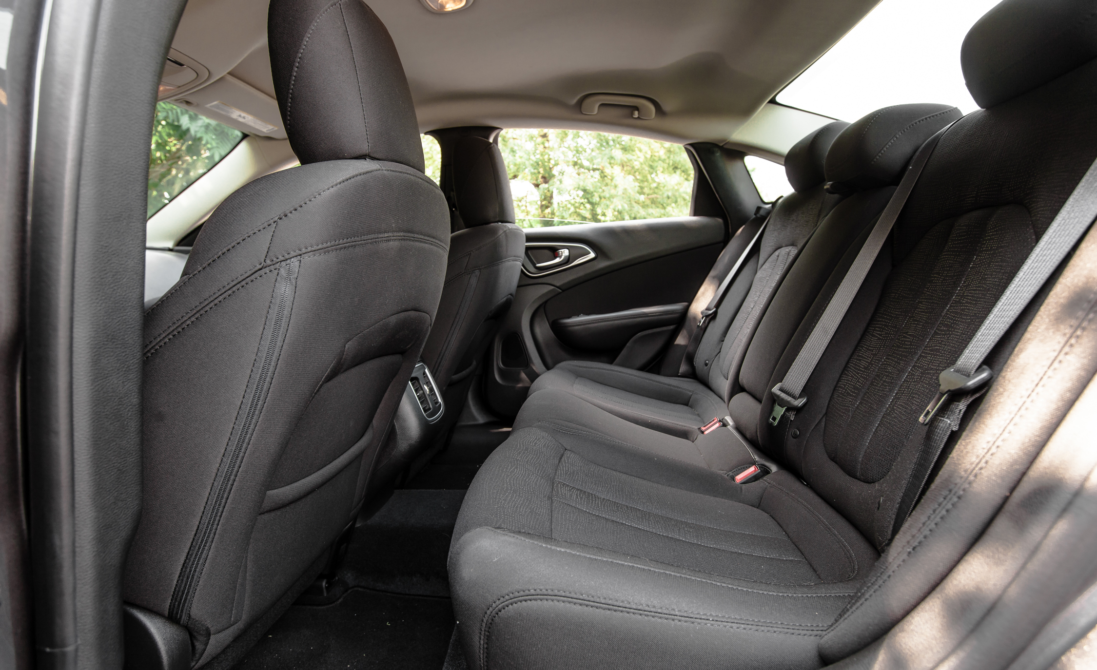 2015 Chrysler 200 Limited Interior (View 9 of 19)