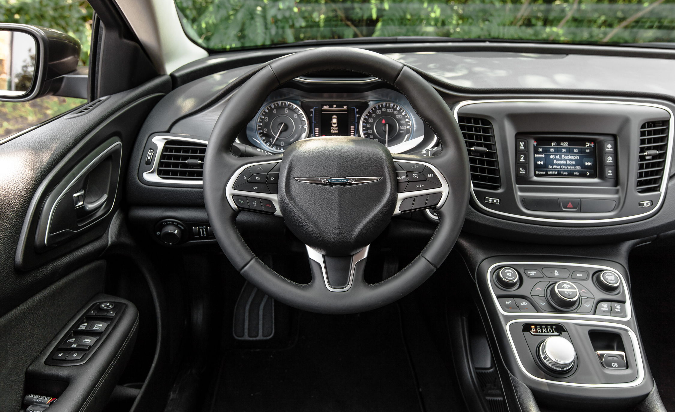 2015 Chrysler 200 Limited Interior (Photo 10 Of 19)