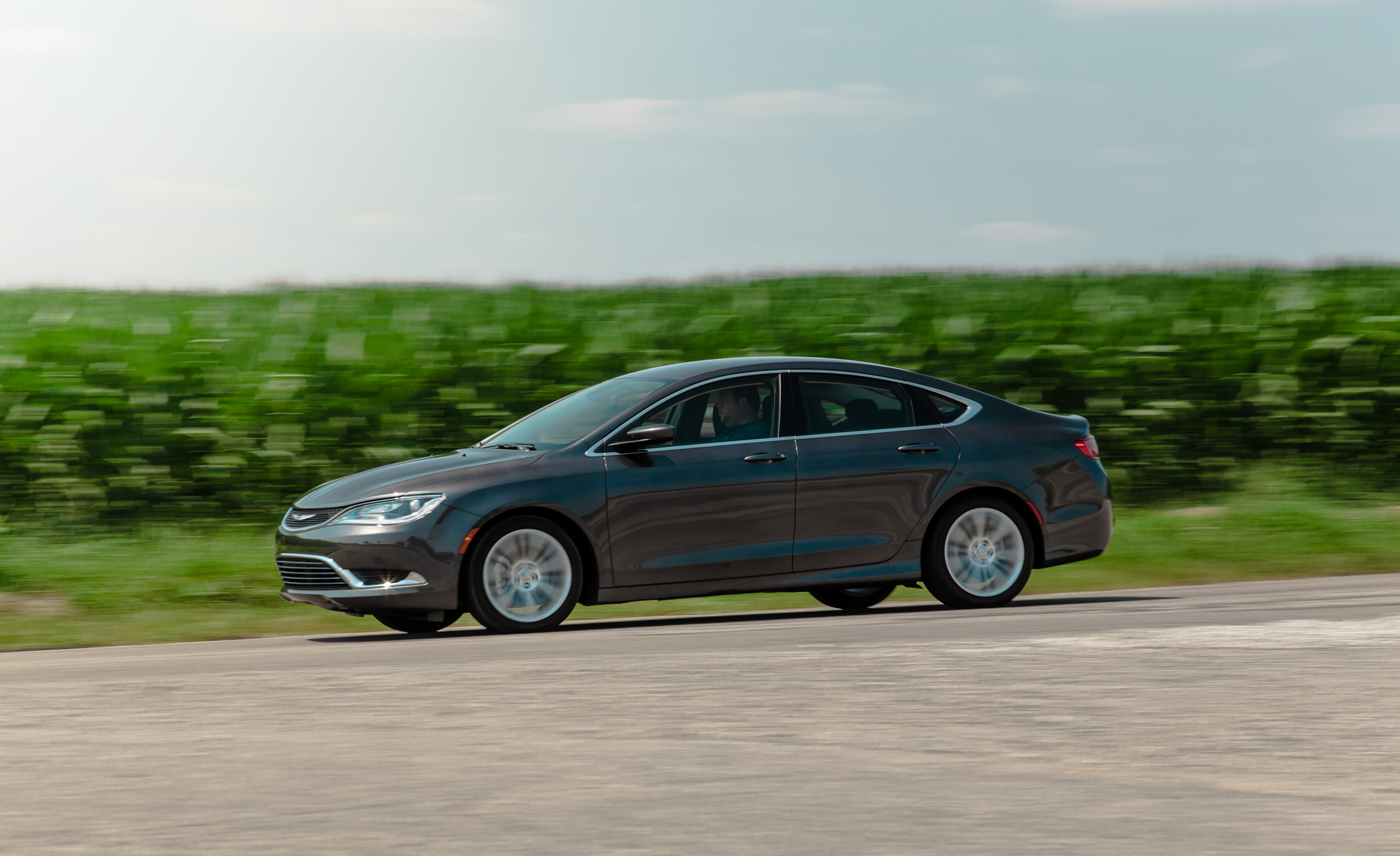 Featured Image of 2015 Chrysler 200 Limited