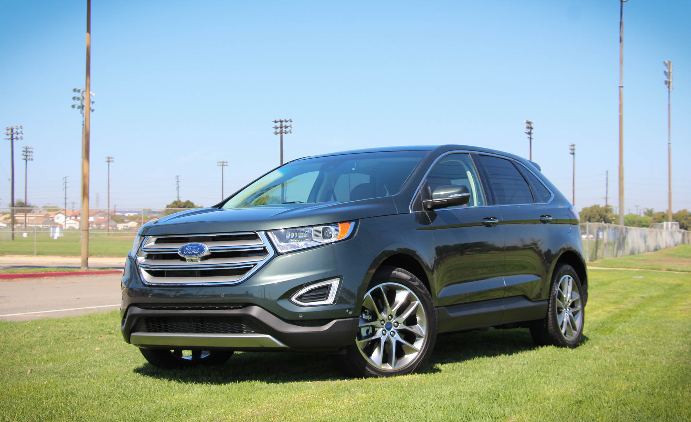 Featured Image of 2015 Ford Edge
