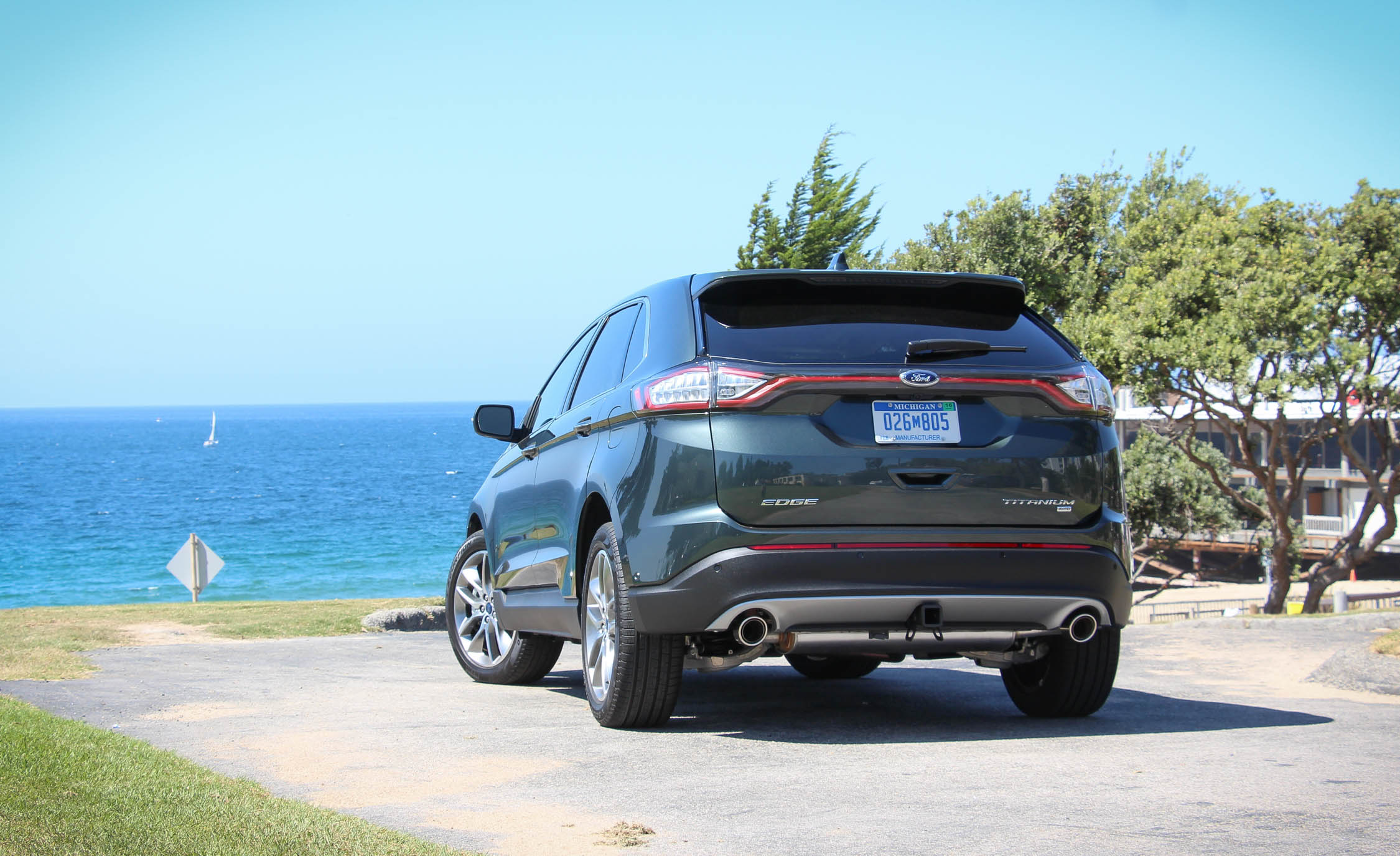 2015 Ford Edge  (Photo 6 of 19)